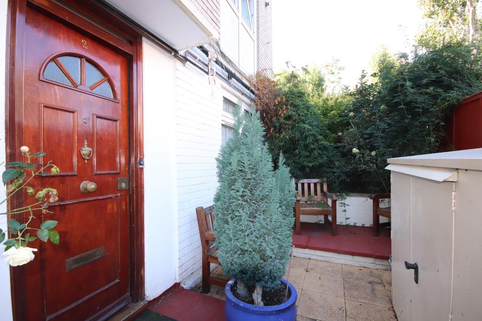 1 bed flat for sale in Glengarnock Avenue, E14