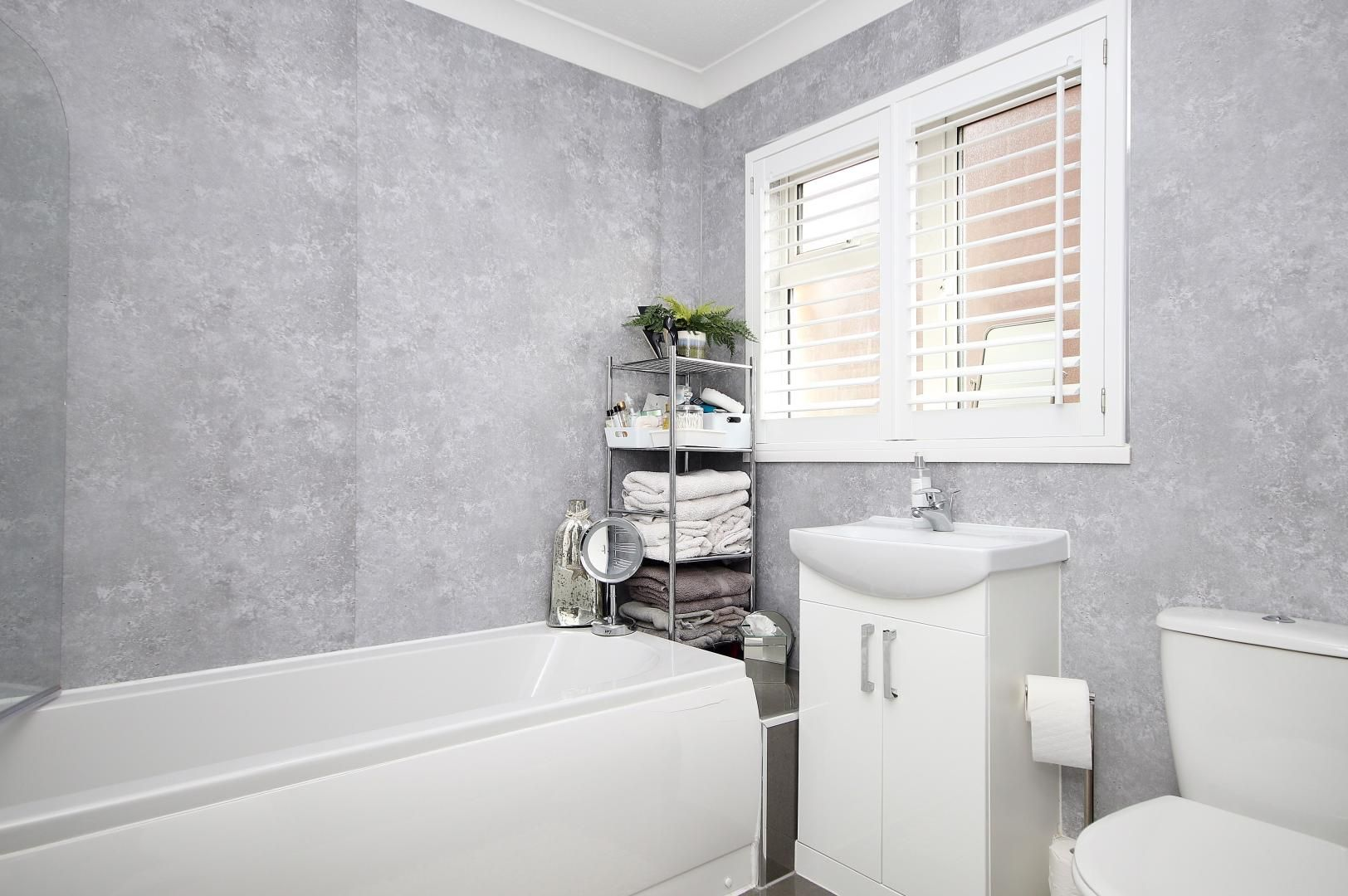 1 bed flat for sale in Stifford Road  - Property Image 10