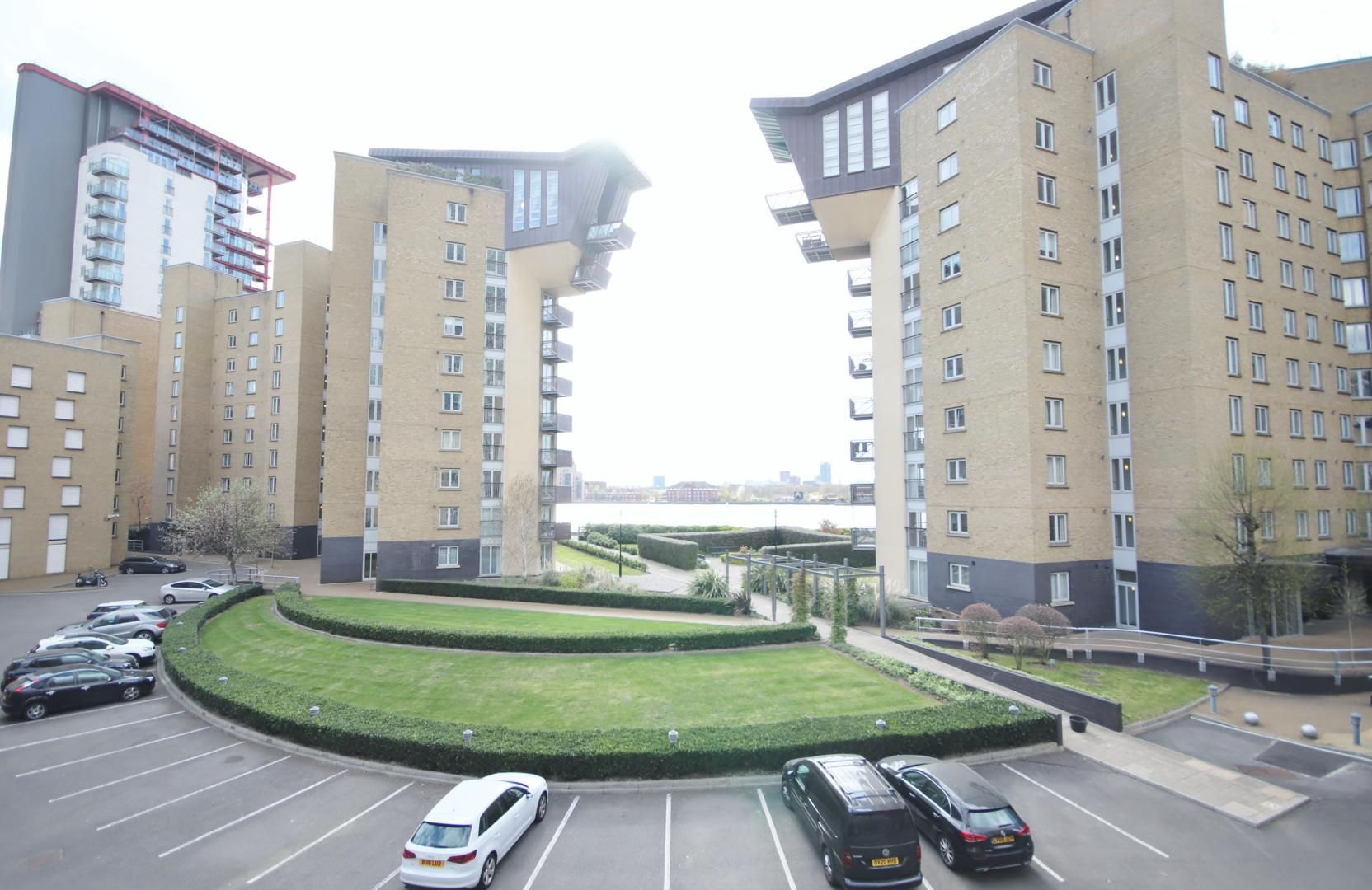 1 bed flat to rent in Franklin Building, E14