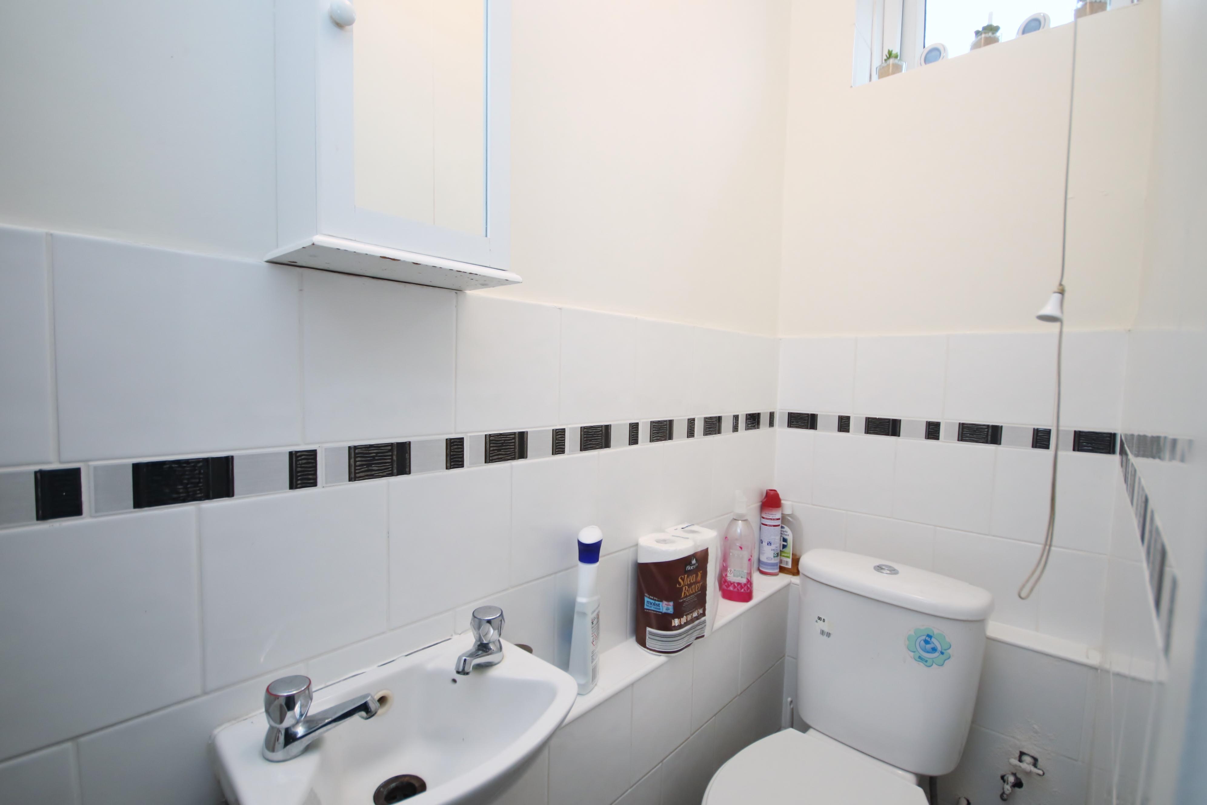 1 bed flat to rent in Pigott Street  - Property Image 4