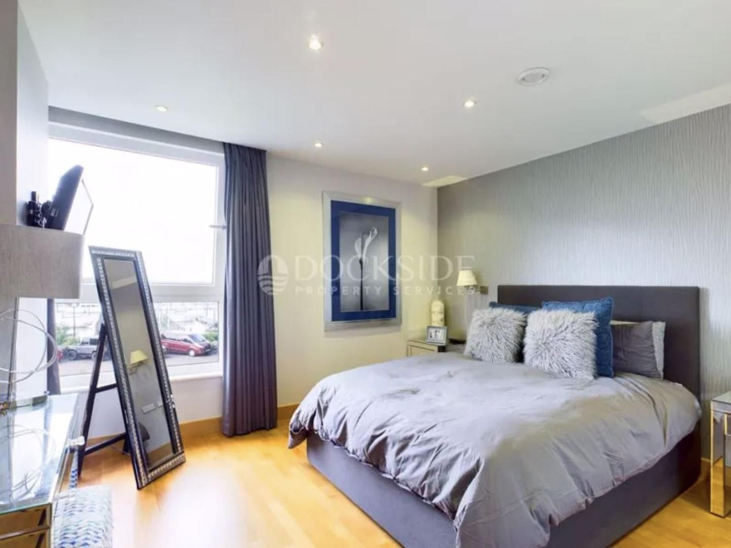 5 bed  for sale in The Hamptons  - Property Image 4