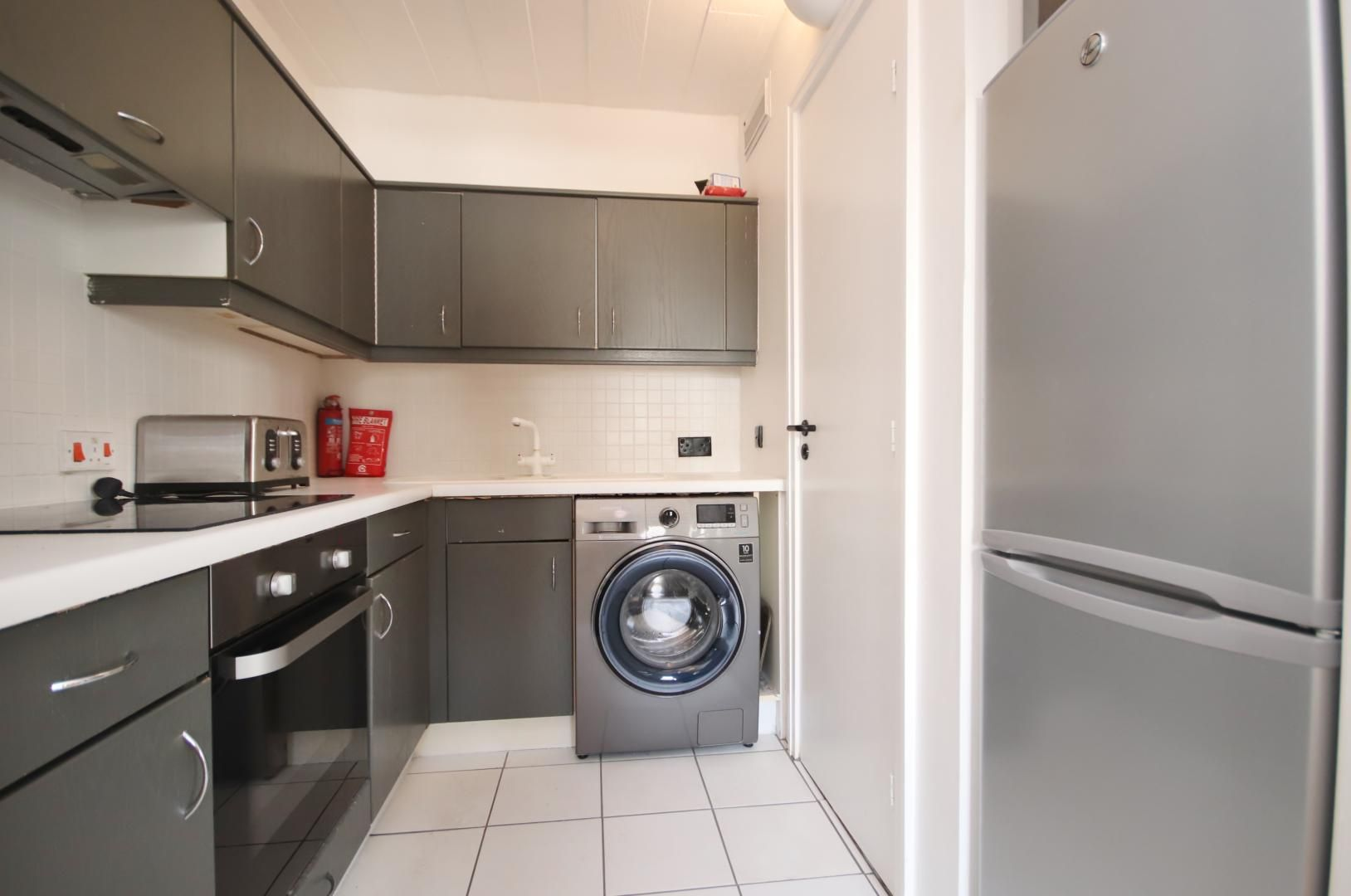2 bed flat to rent in Port House  - Property Image 4