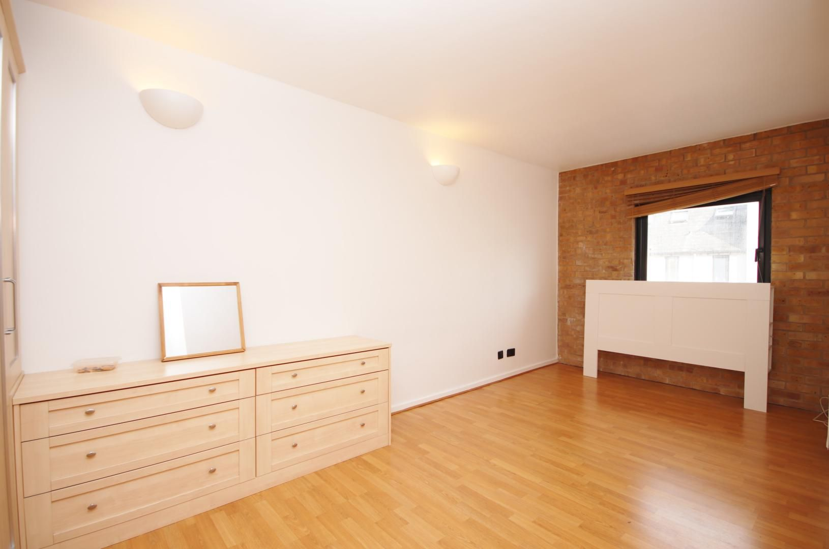 2 bed flat to rent in Port House  - Property Image 5