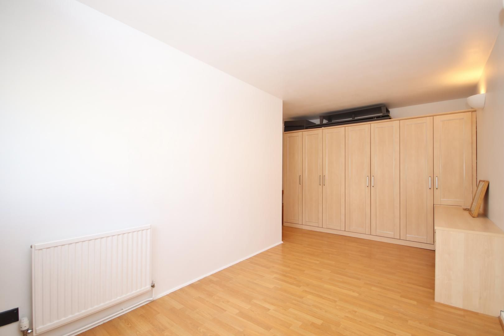 2 bed flat to rent in Port House  - Property Image 6