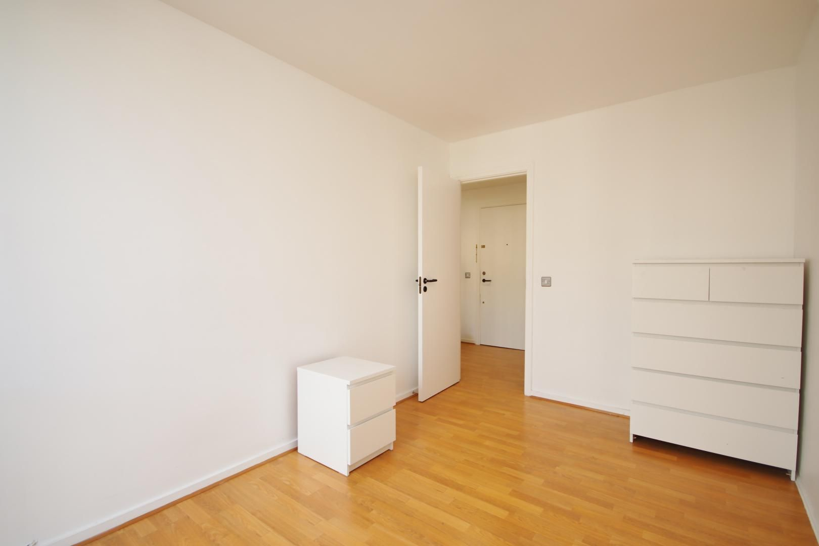 2 bed flat to rent in Port House  - Property Image 8