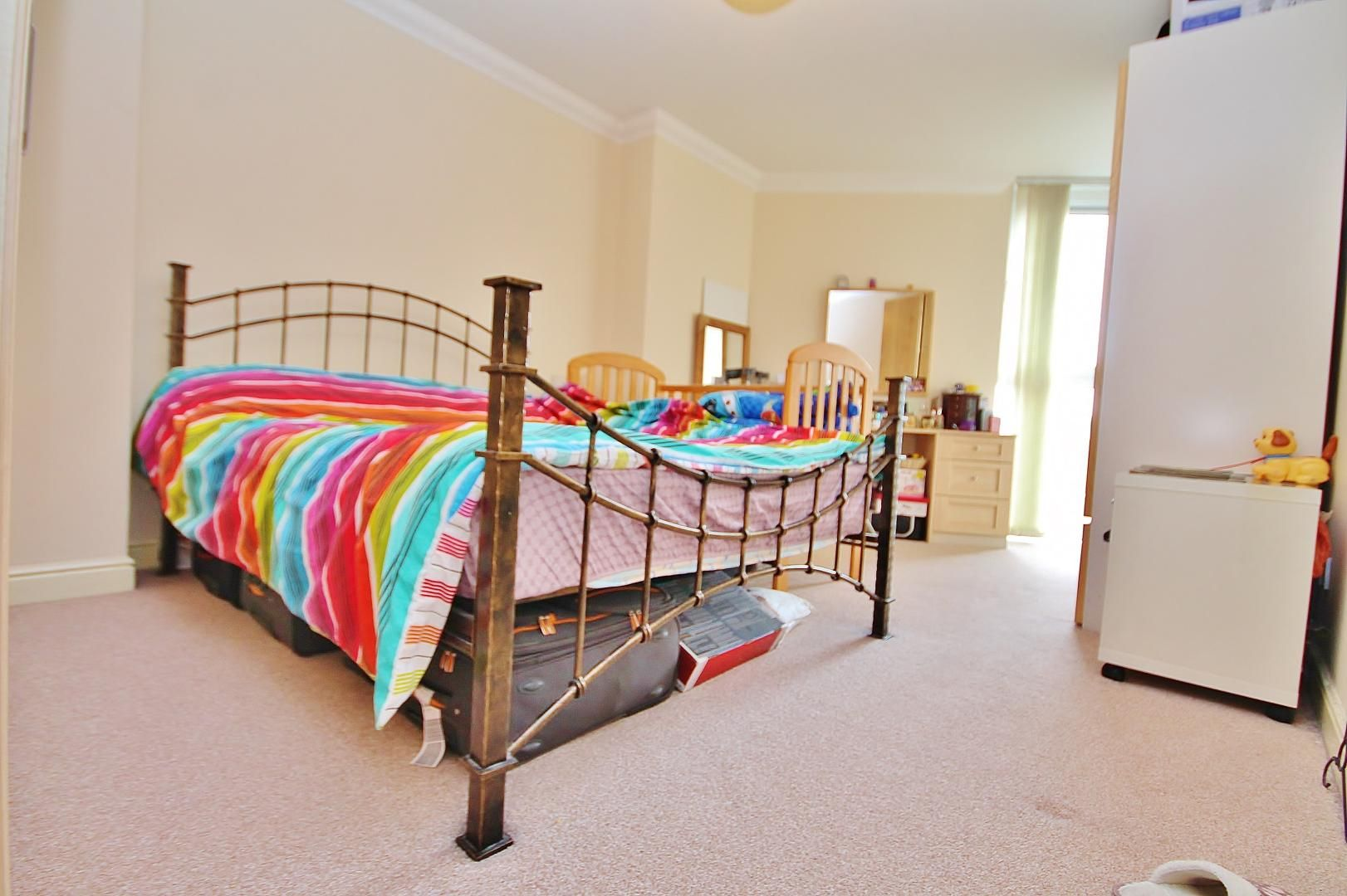 2 bed flat to rent in Hull Place  - Property Image 4