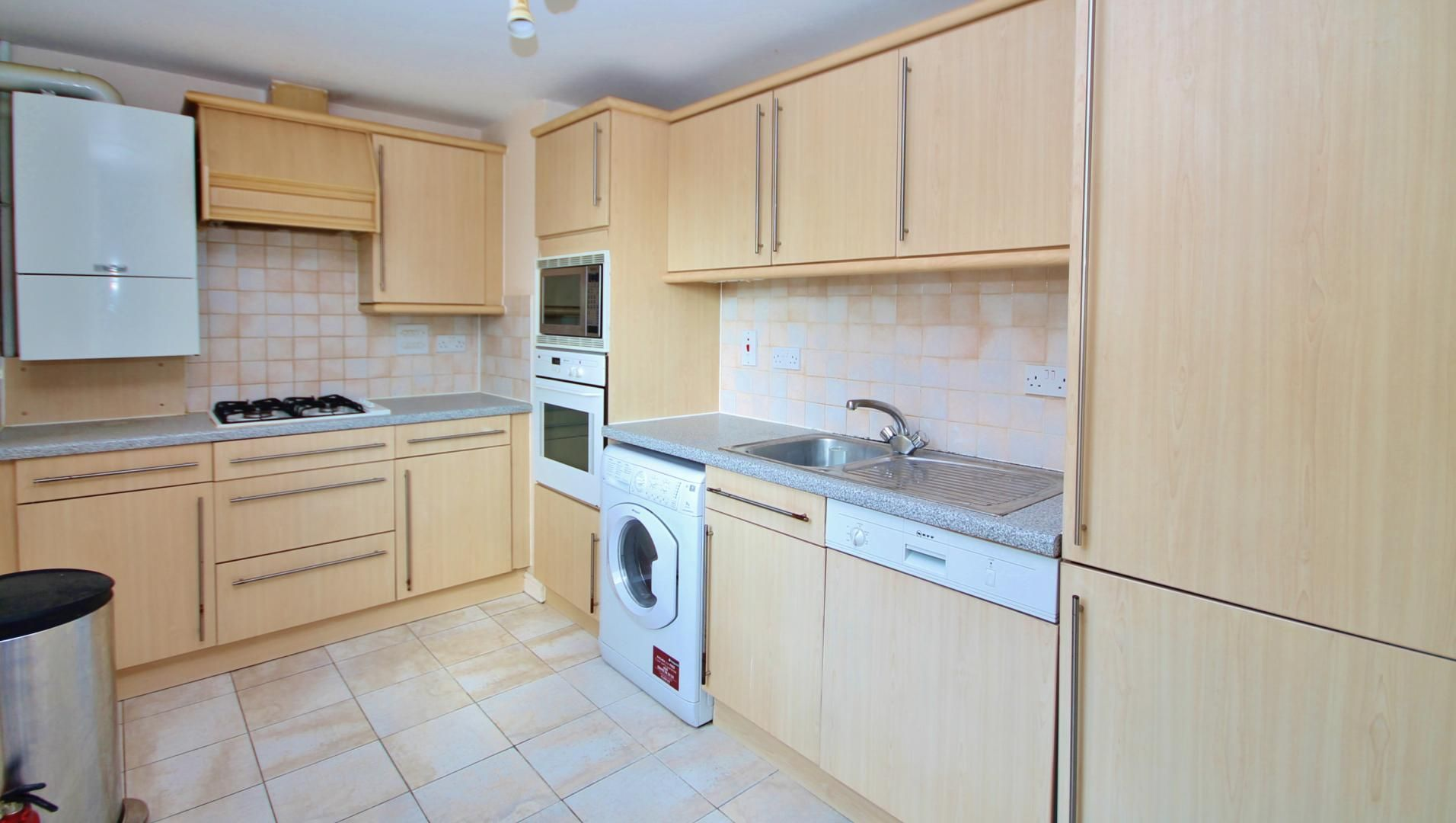 2 bed flat to rent in Maritime Quay  - Property Image 2