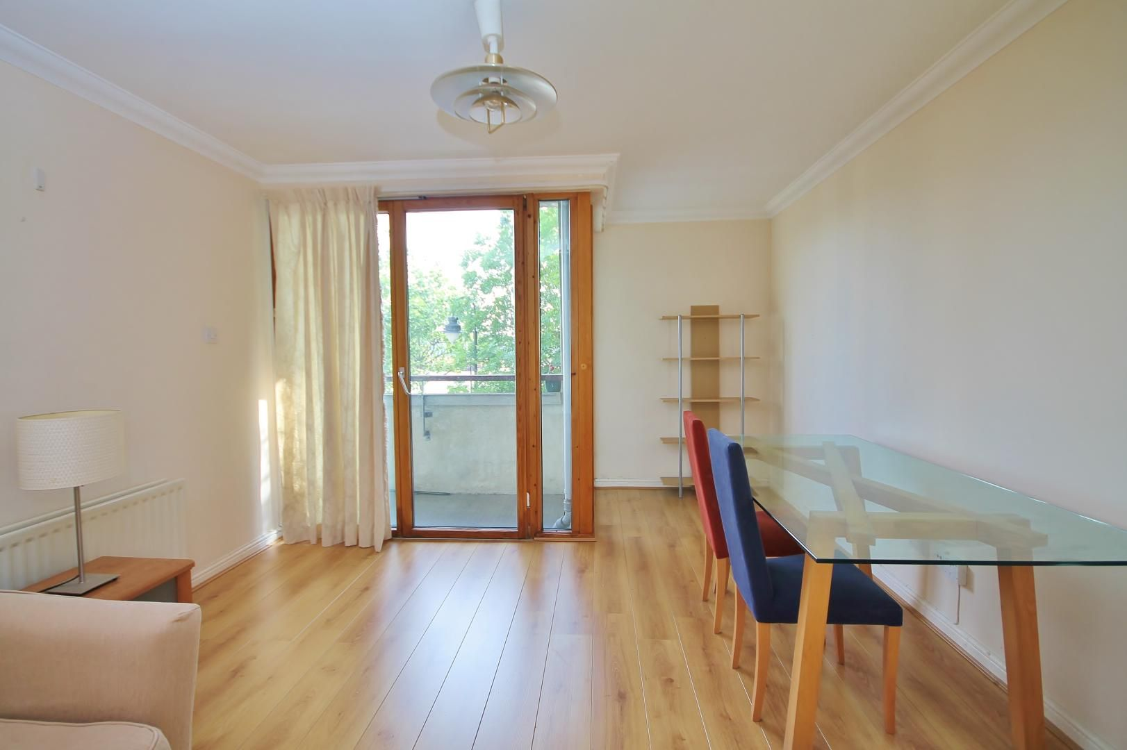 2 bed flat to rent in Maritime Quay  - Property Image 3
