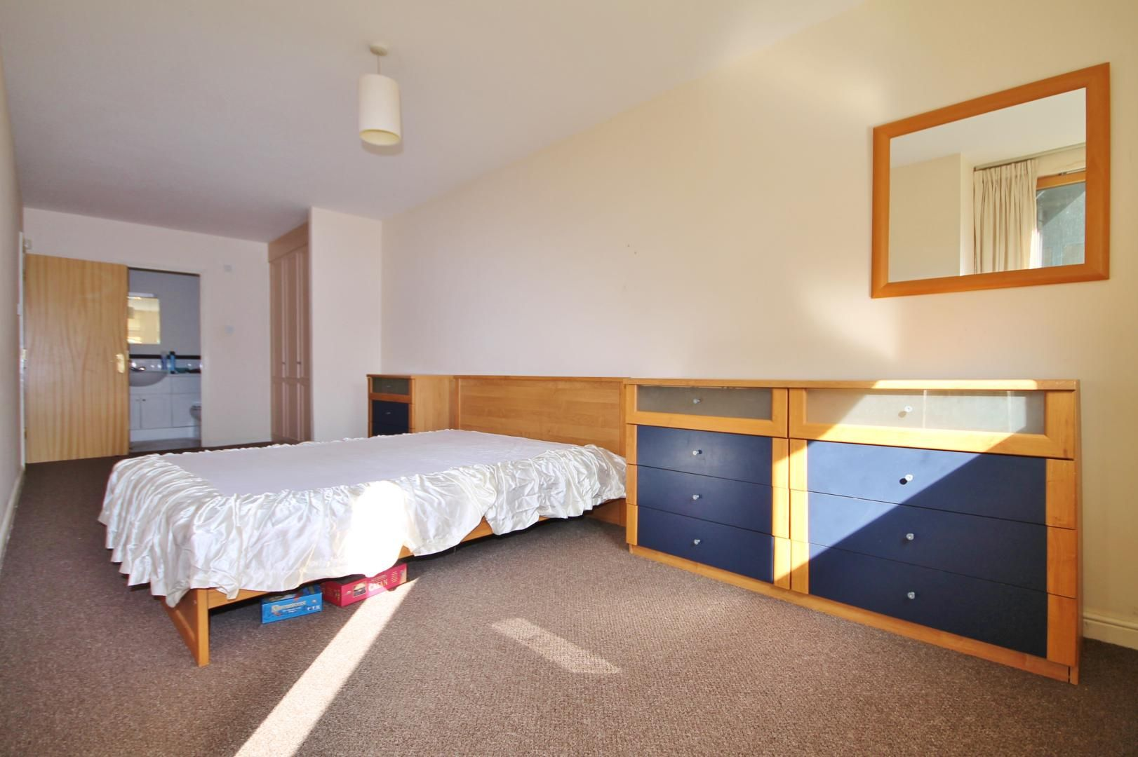 2 bed flat to rent in Maritime Quay  - Property Image 4