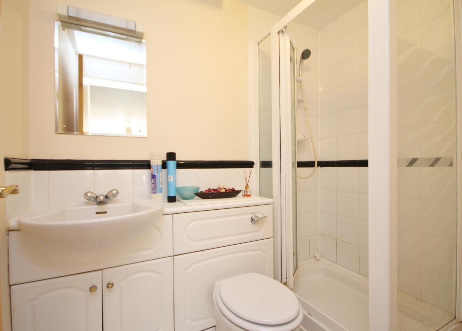 2 bed flat to rent in Maritime Quay  - Property Image 6