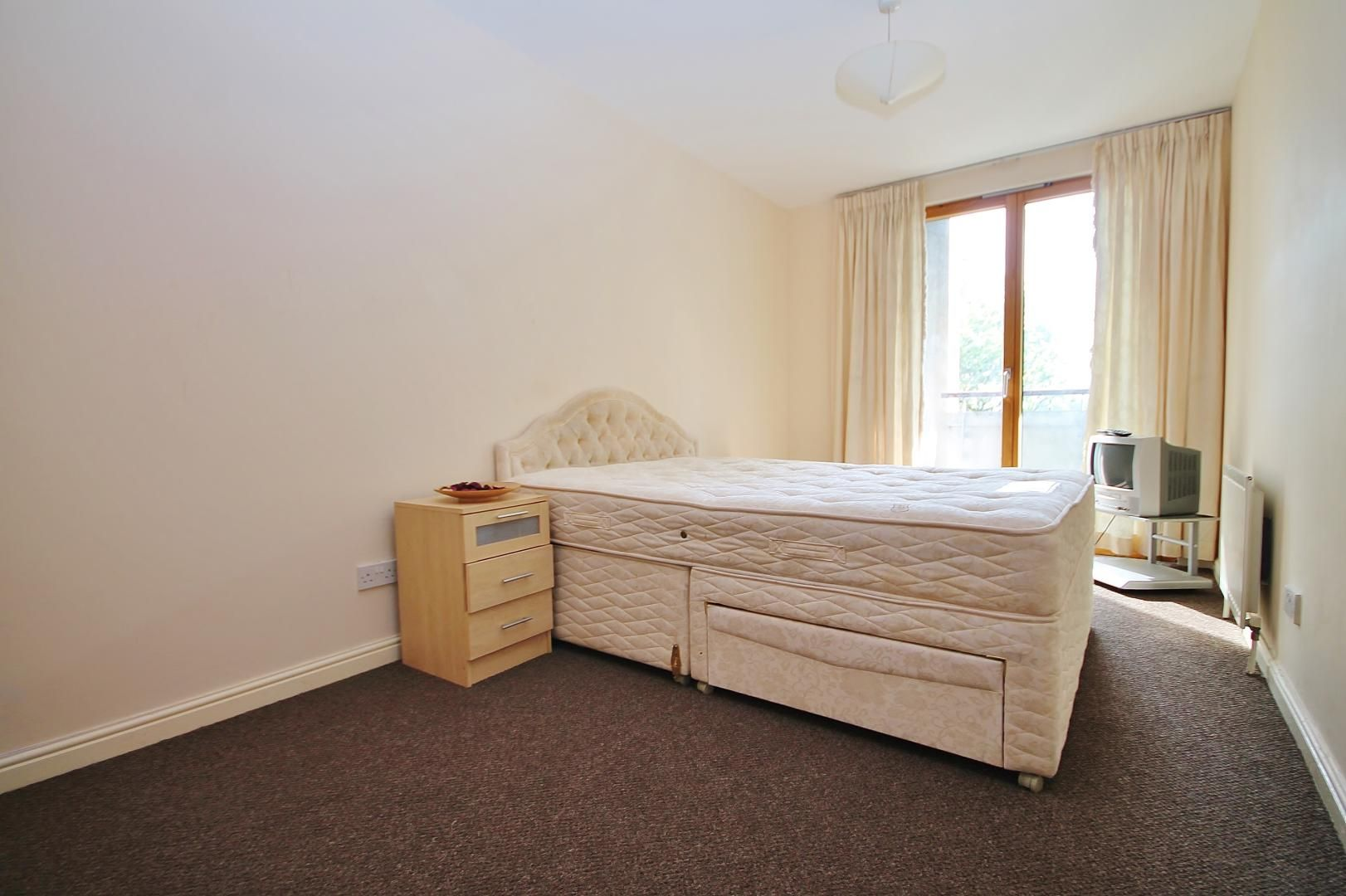 2 bed flat to rent in Maritime Quay  - Property Image 7