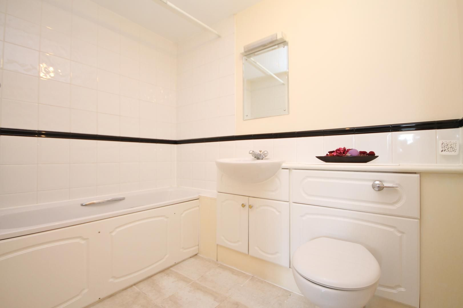 2 bed flat to rent in Maritime Quay  - Property Image 9