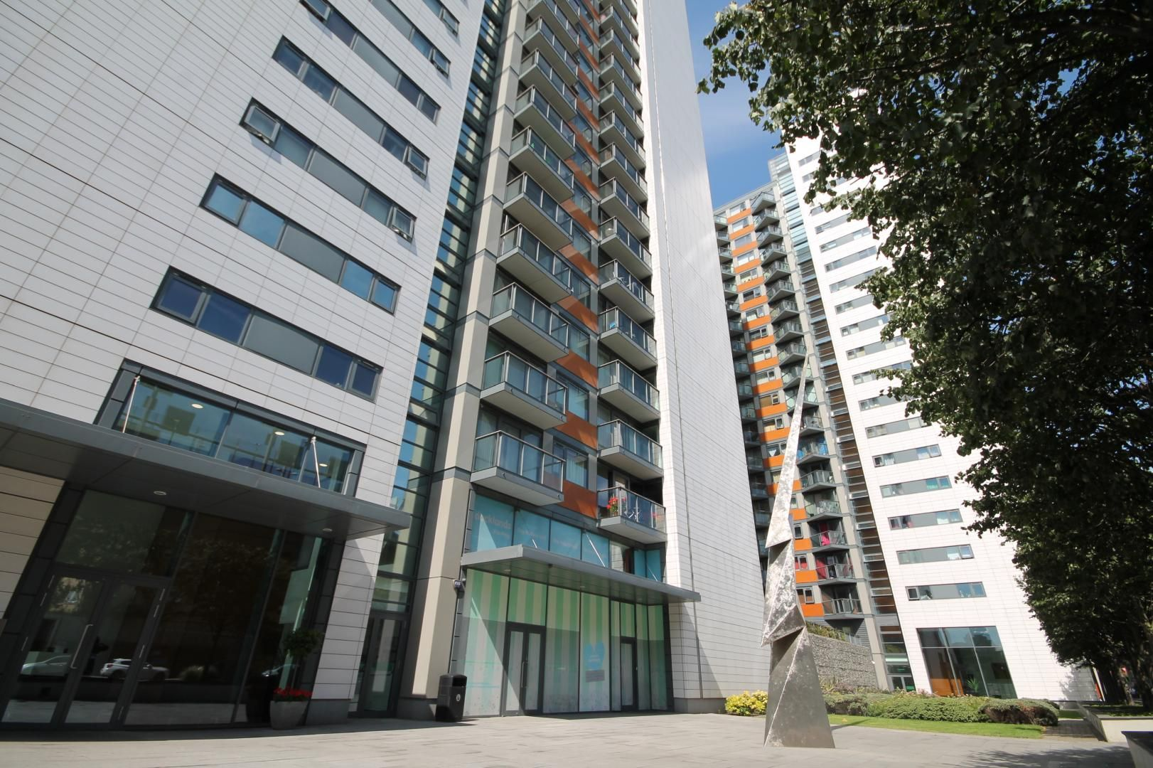 1 bed flat to rent in Blackwall Way  - Property Image 8