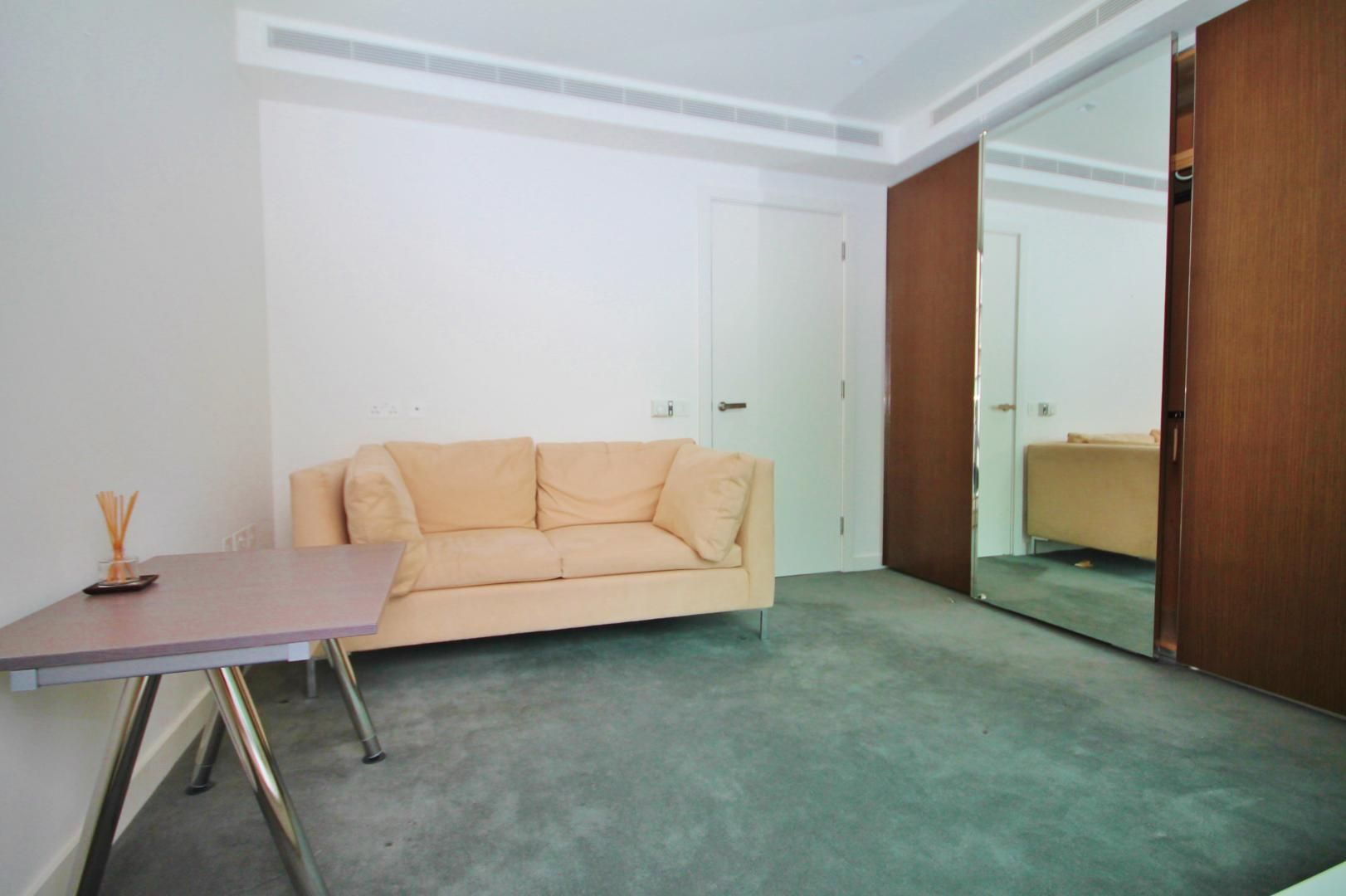 3 bed flat to rent in Pan Peninsula Square  - Property Image 6