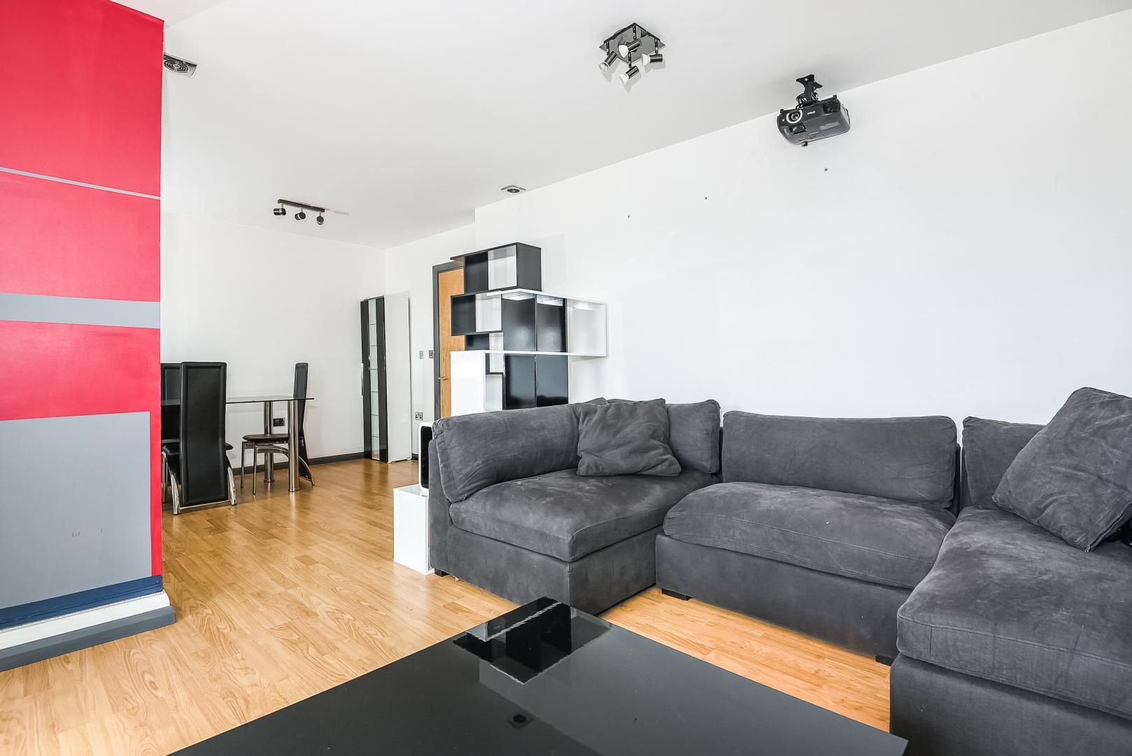 1 bed flat for sale in Station Way  - Property Image 4