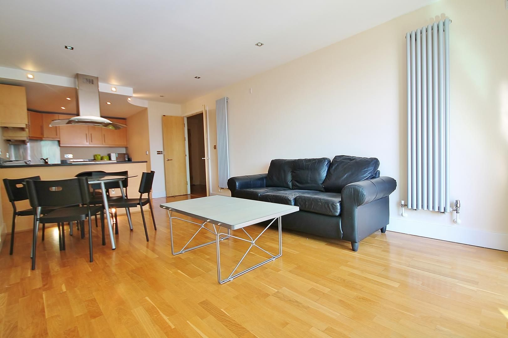2 bed flat for sale in Millharbour