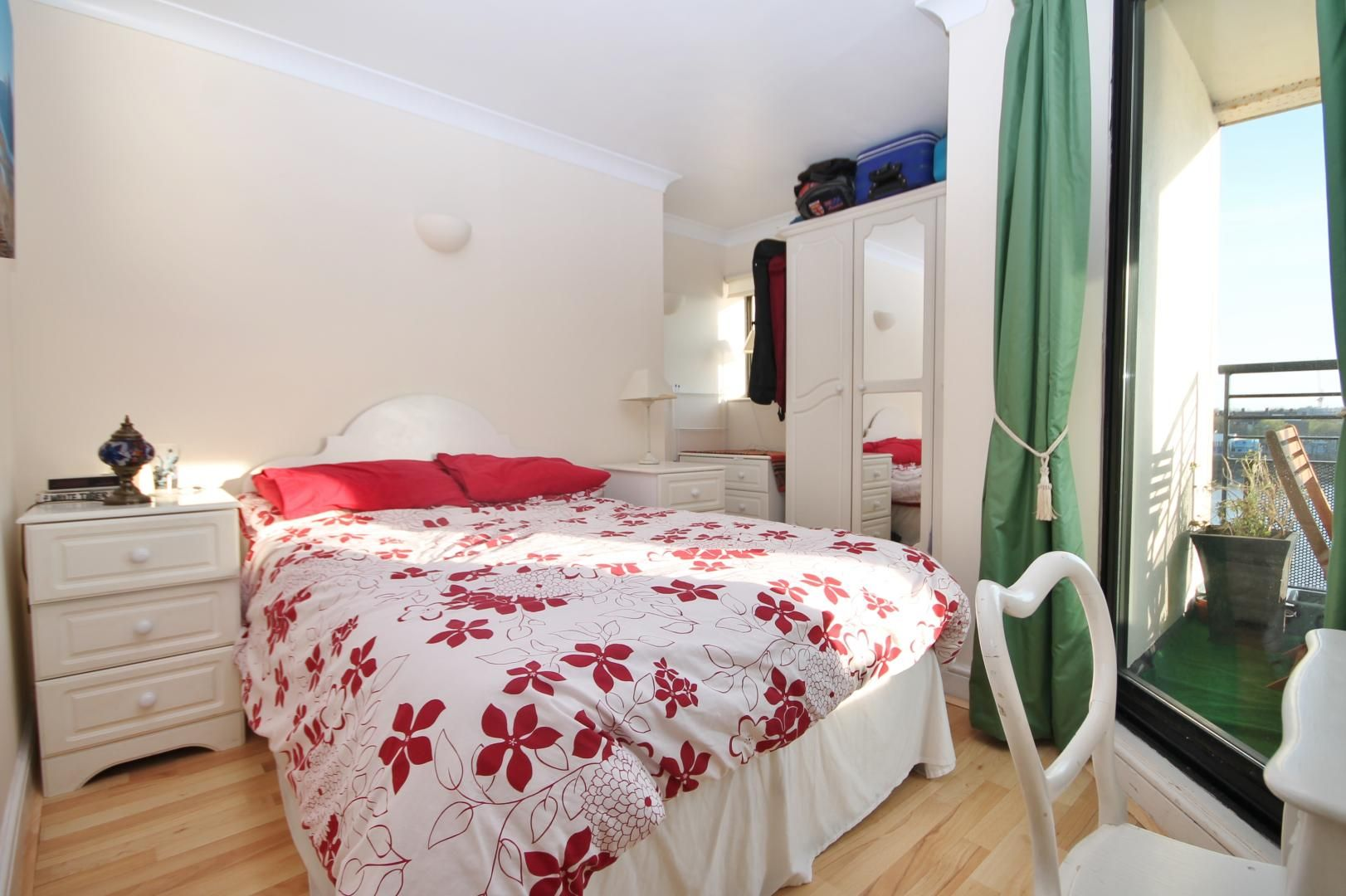 1 bed  for sale in Burrells Wharf Square  - Property Image 3