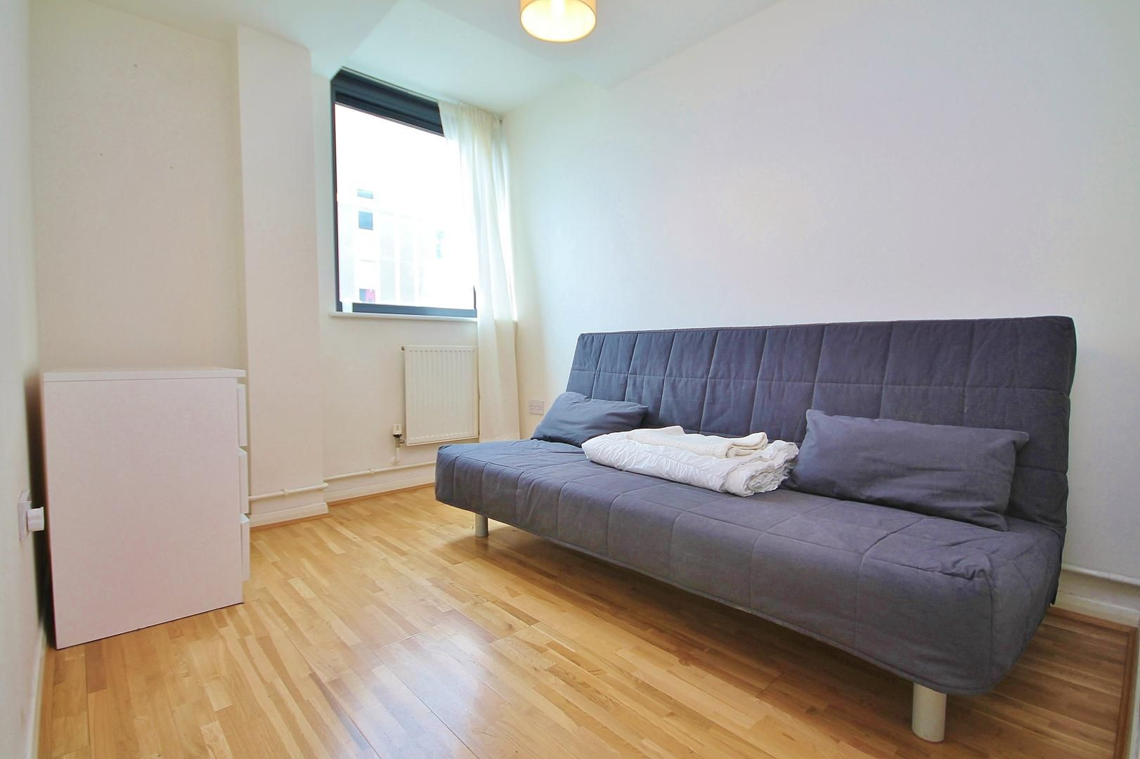 2 bed flat to rent in Millharbour  - Property Image 5