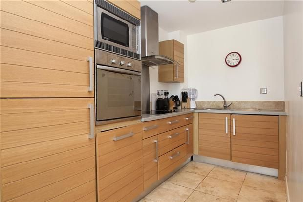 1 bed flat to rent in Limeharbour  - Property Image 5
