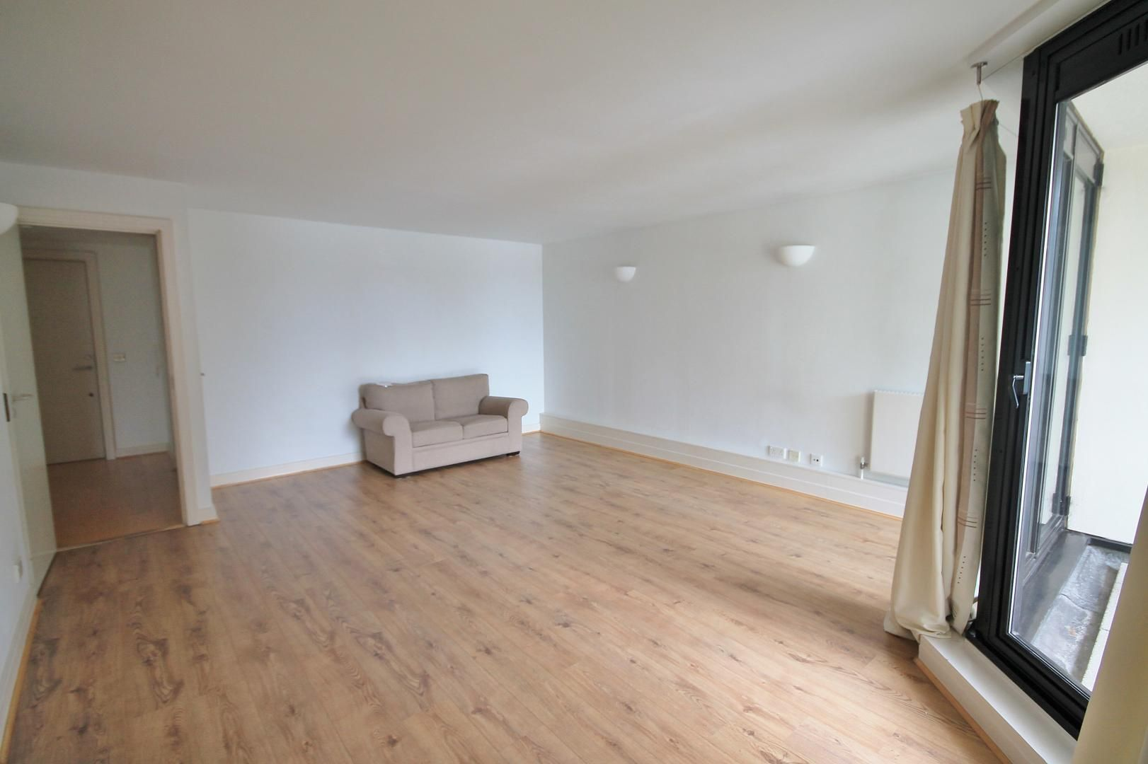 2 bed flat for sale in Burrells Wharf Square - Property Image 1