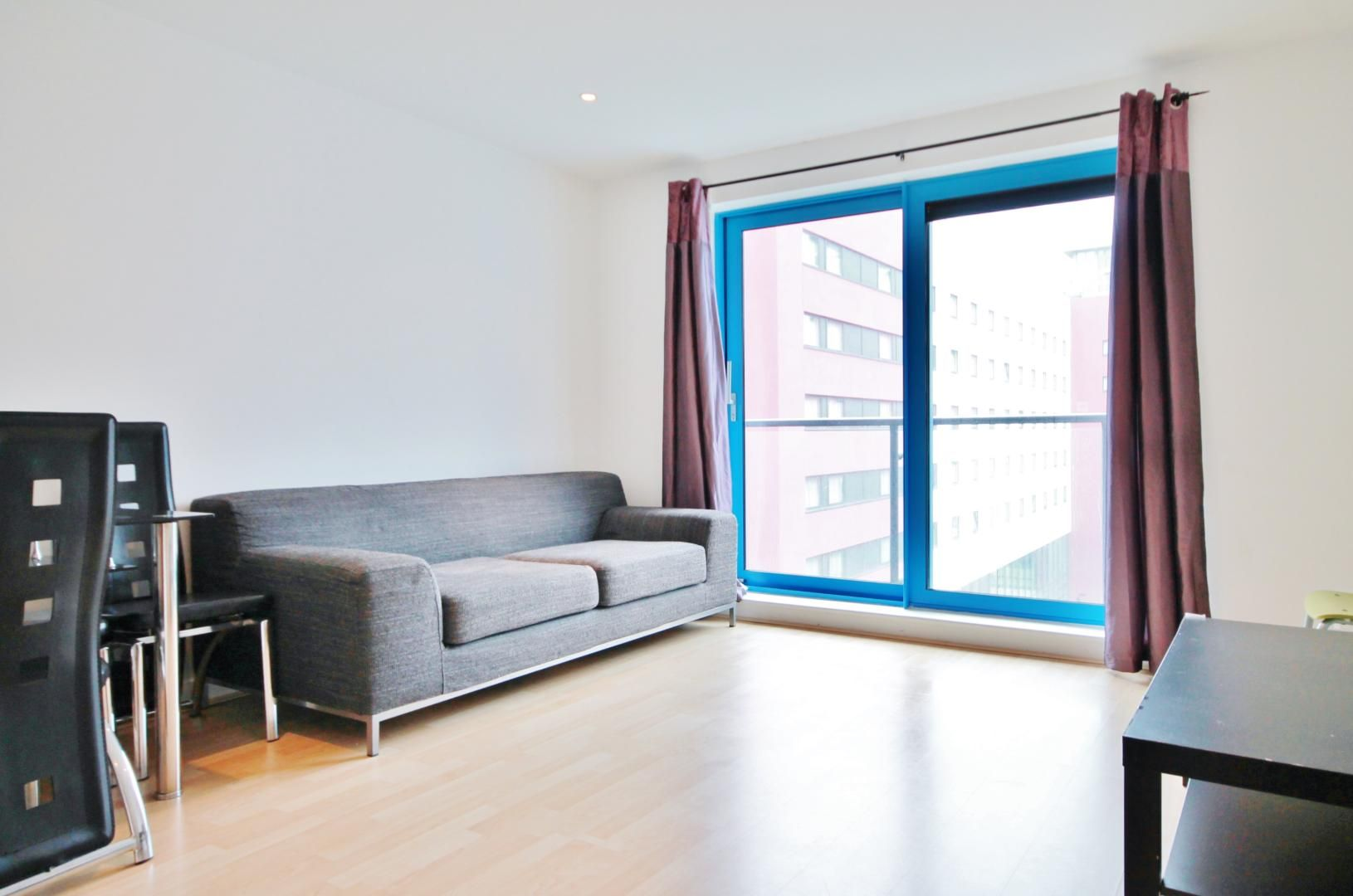 1 bed  to rent in Western Gateway  - Property Image 2