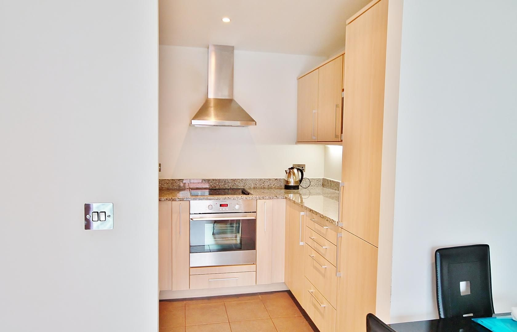 1 bed  to rent in Western Gateway  - Property Image 4
