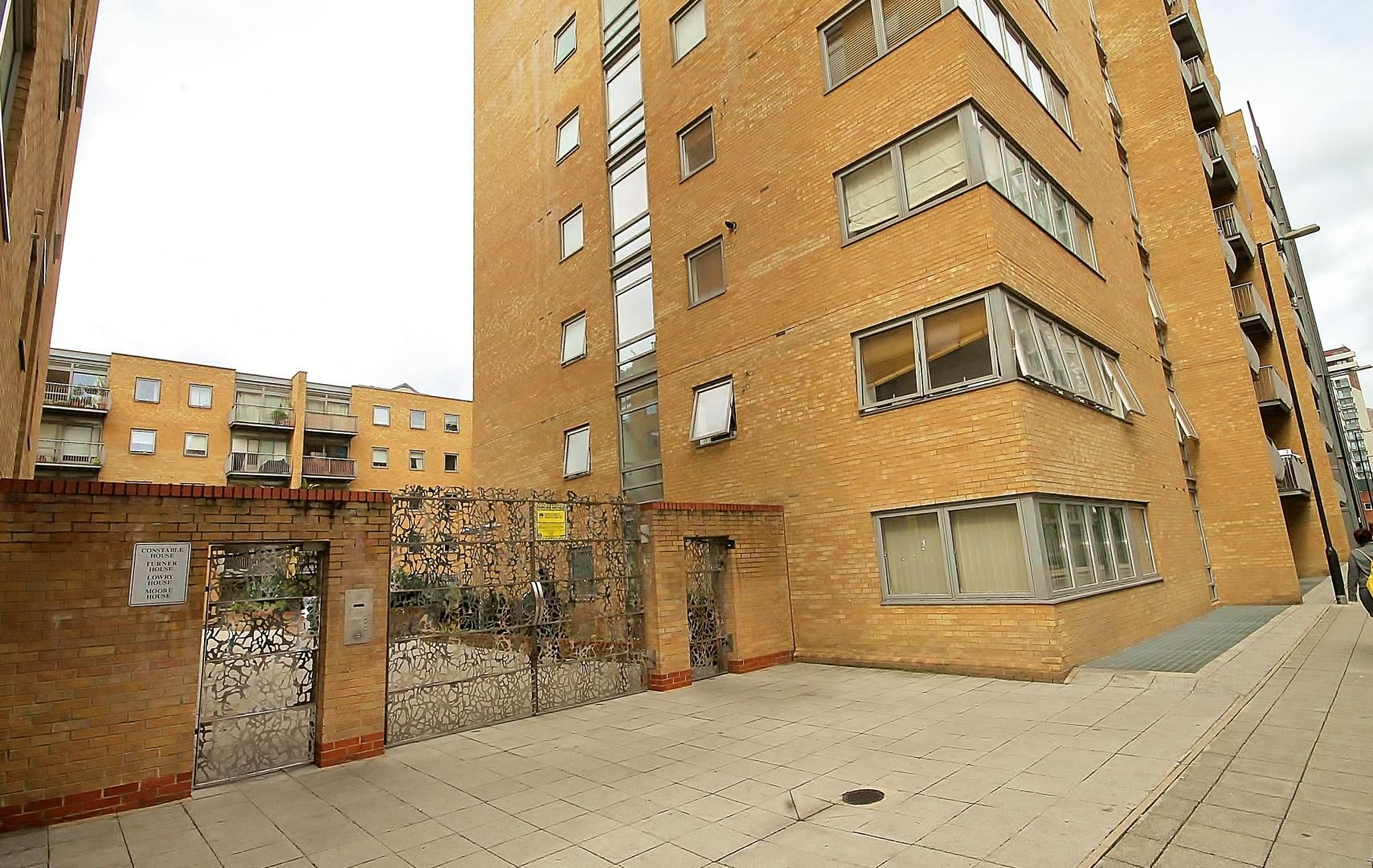 1 bed flat to rent in Cassilis Road, E14