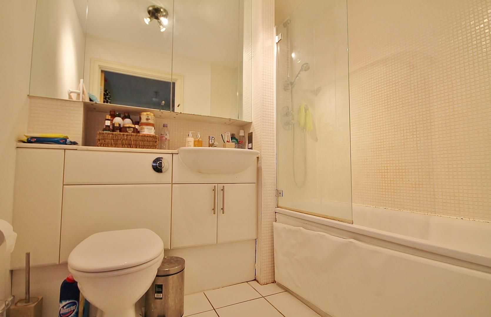 1 bed flat to rent in Cassilis Road  - Property Image 3