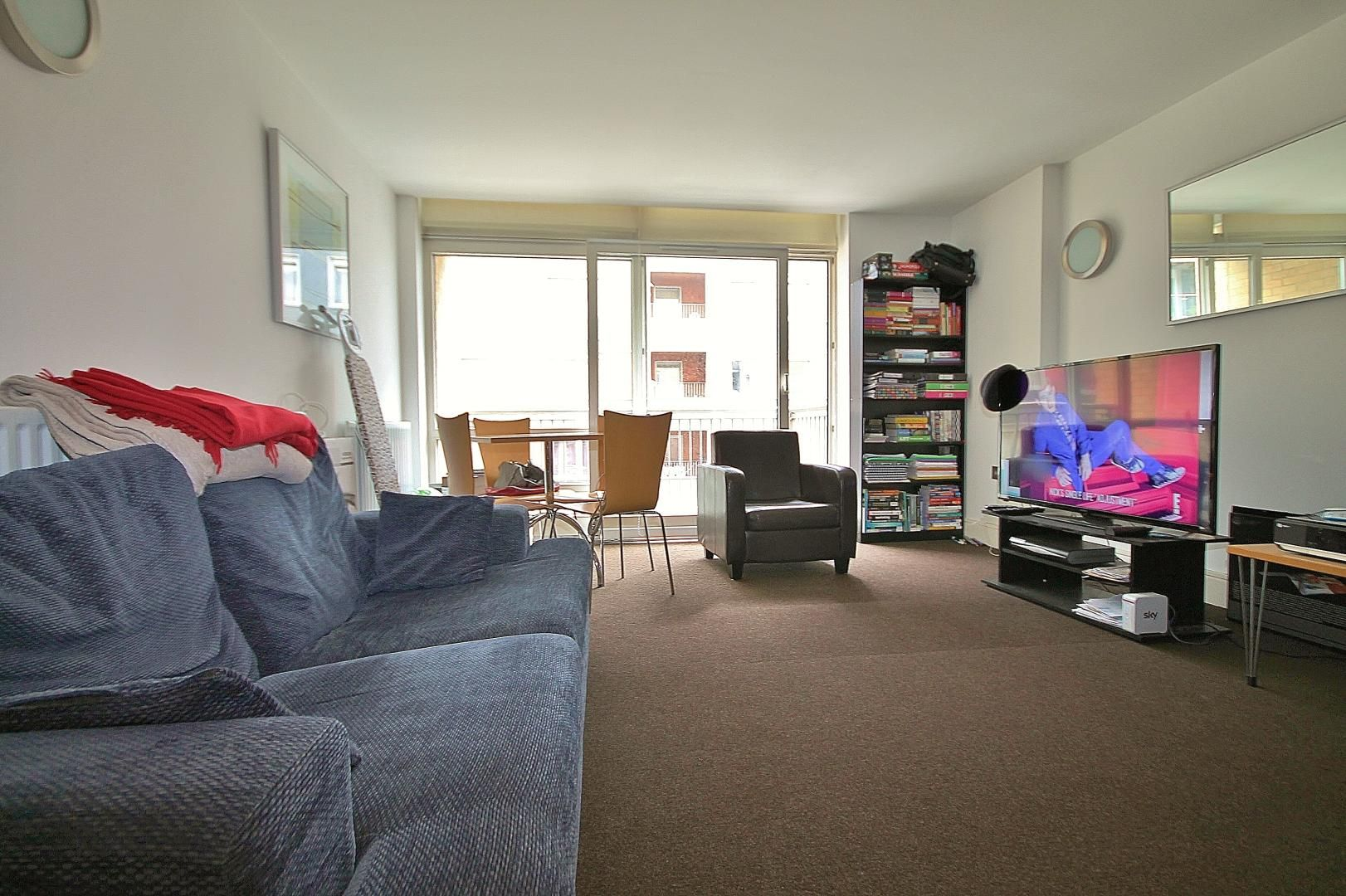 1 bed flat to rent in Cassilis Road  - Property Image 5