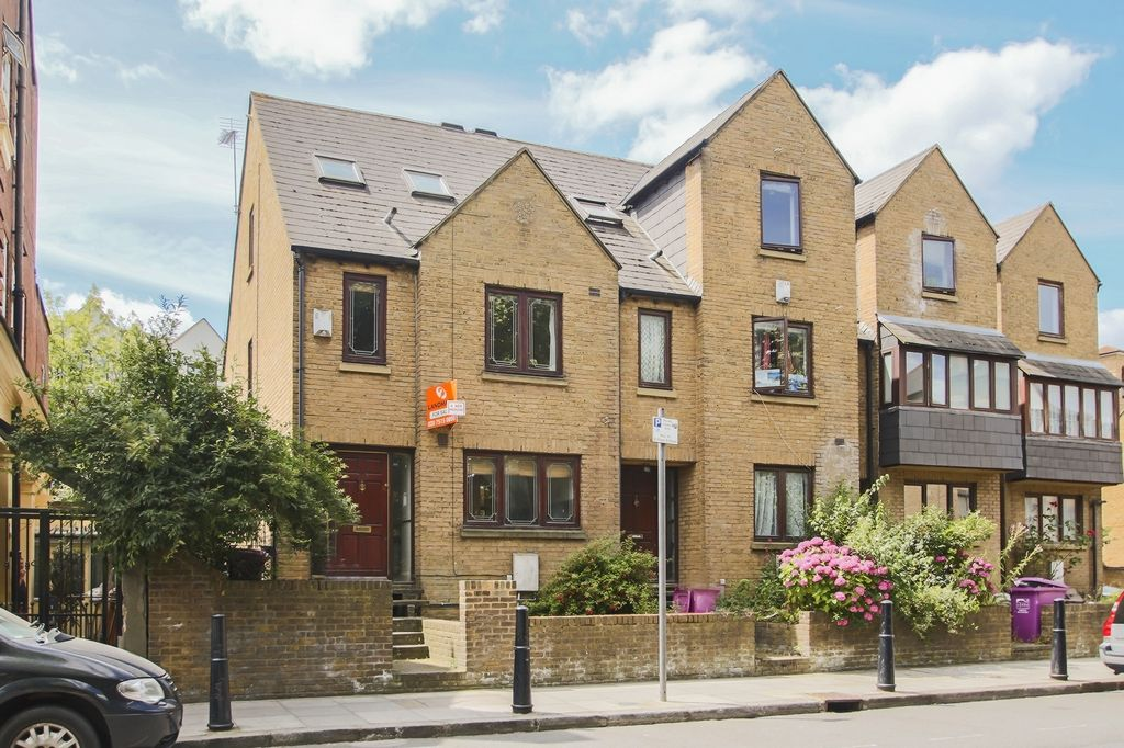 4 bed house to rent in Westferry Road, E14