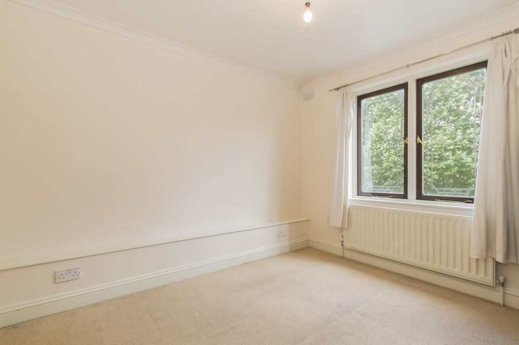 4 bed house to rent in Westferry Road  - Property Image 6