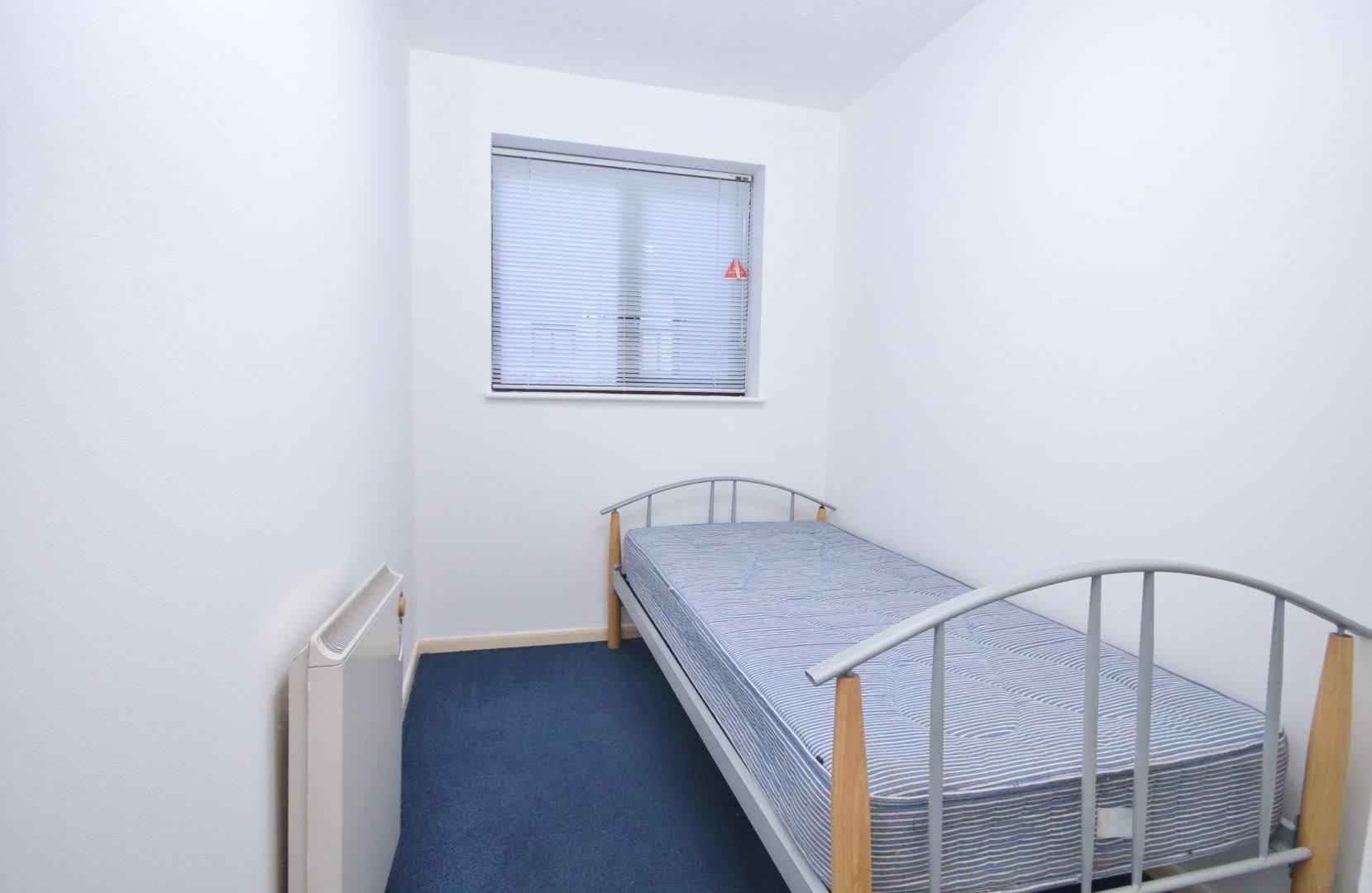 2 bed flat to rent in Transom Square  - Property Image 6
