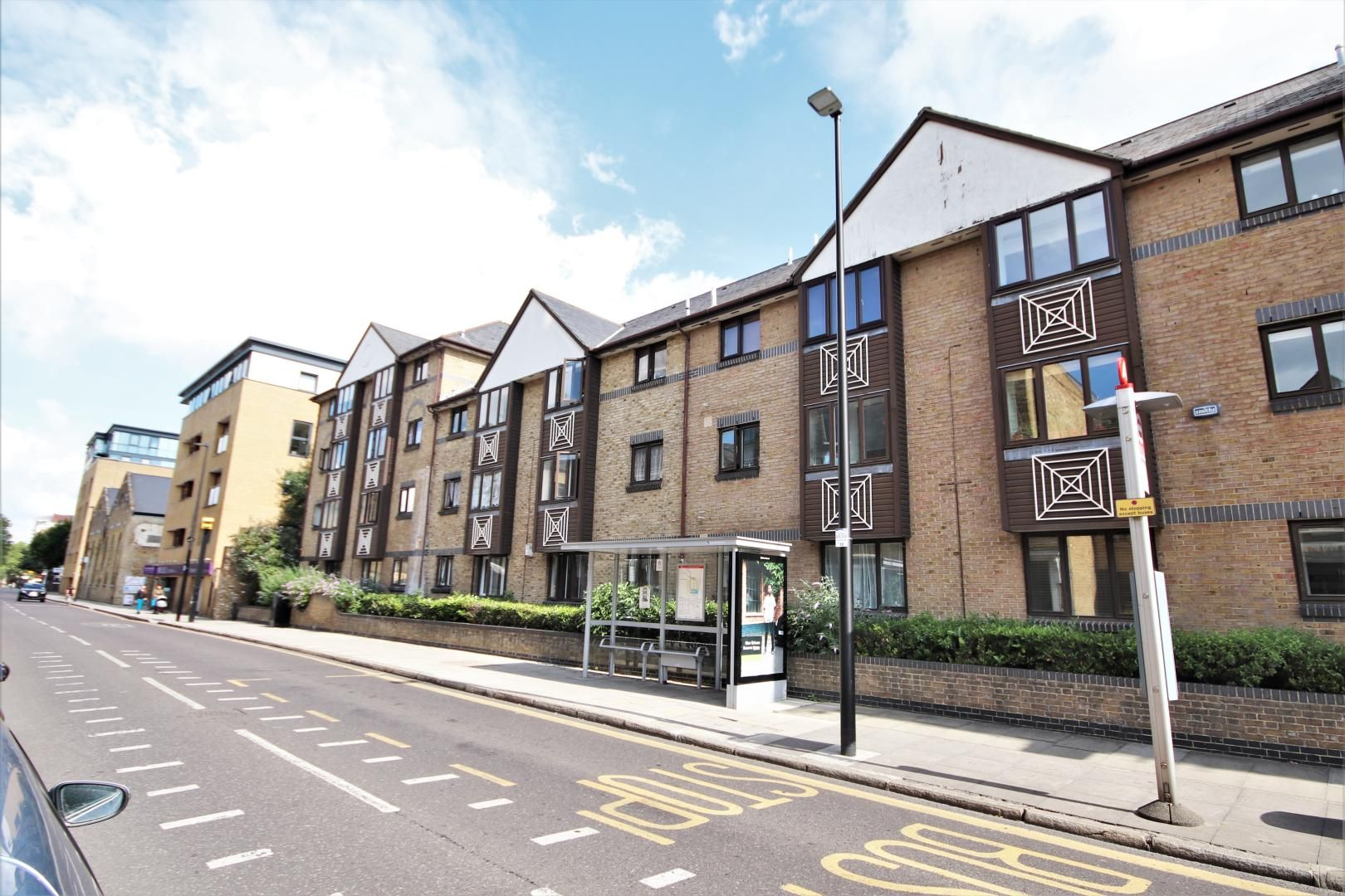 2 bed flat to rent in Transom Square  - Property Image 8