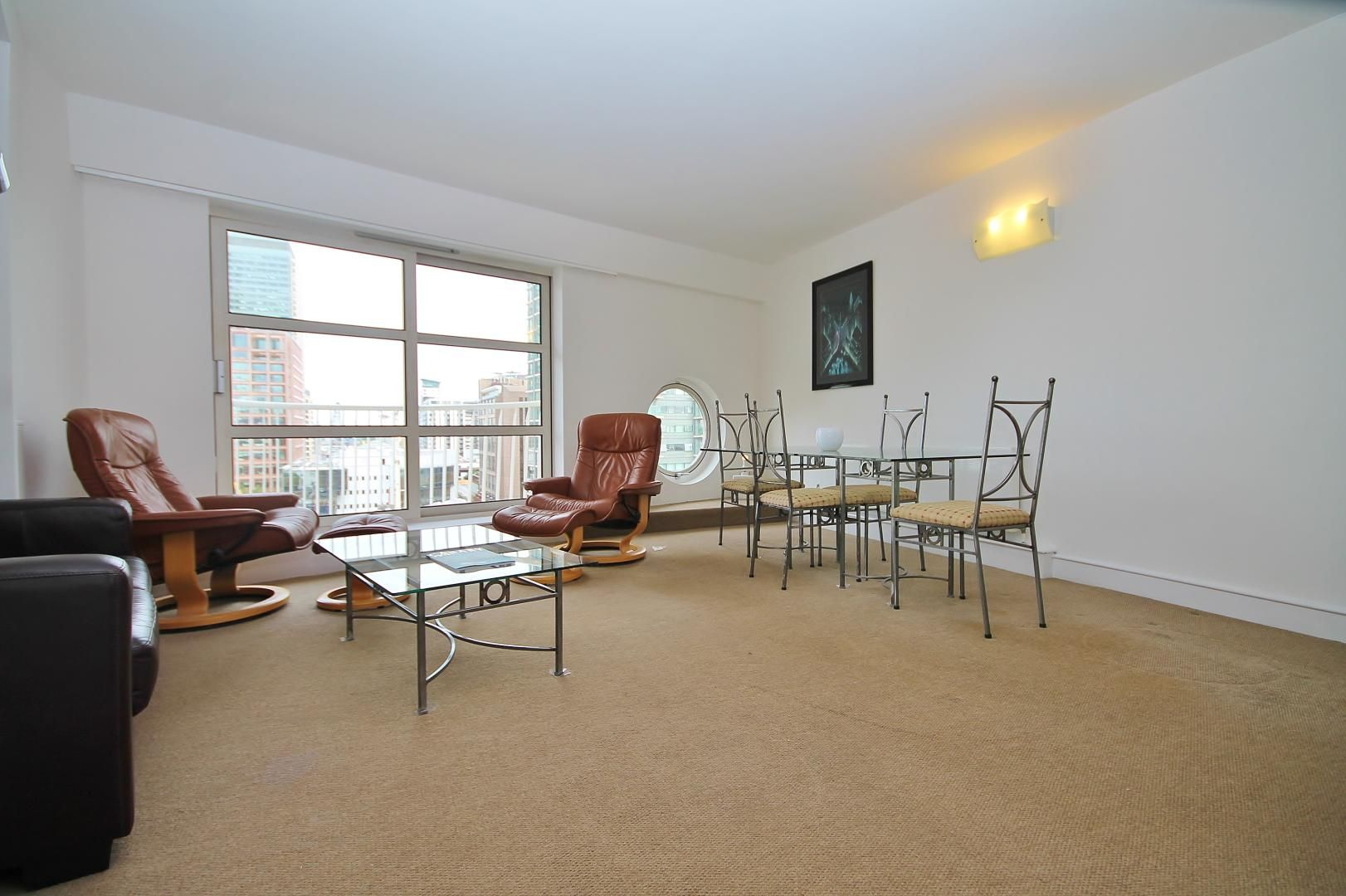 2 bed flat to rent in Westferry Road  - Property Image 2