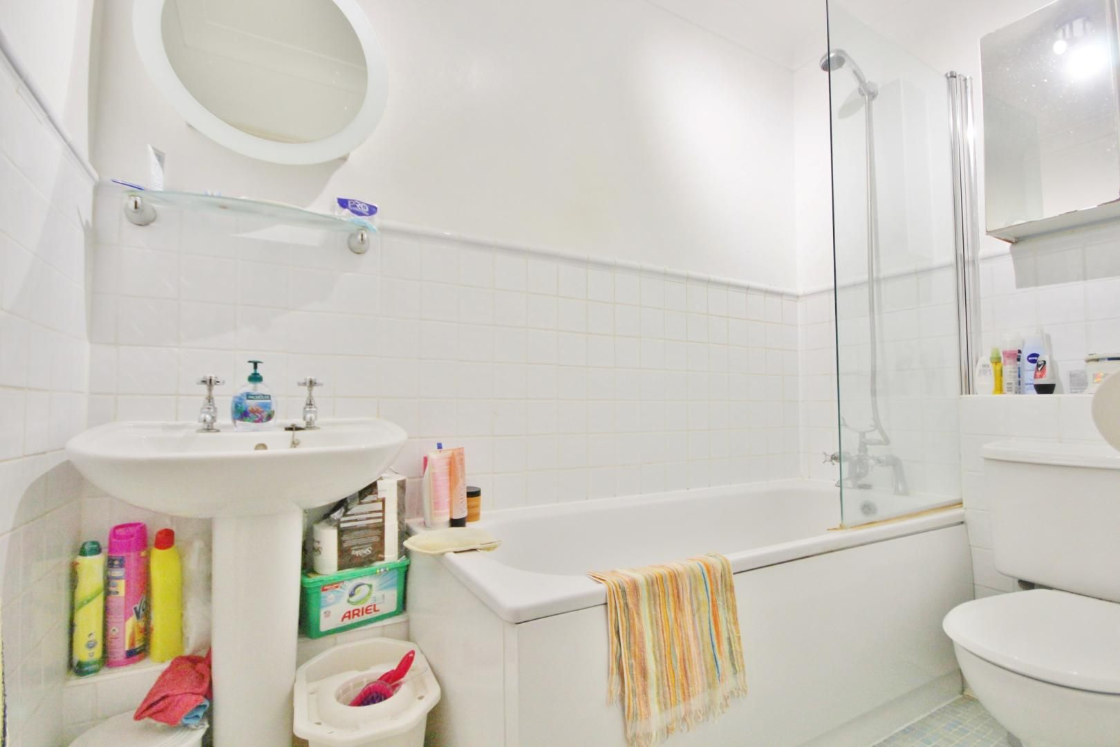 2 bed flat to rent in Brunel House  - Property Image 6