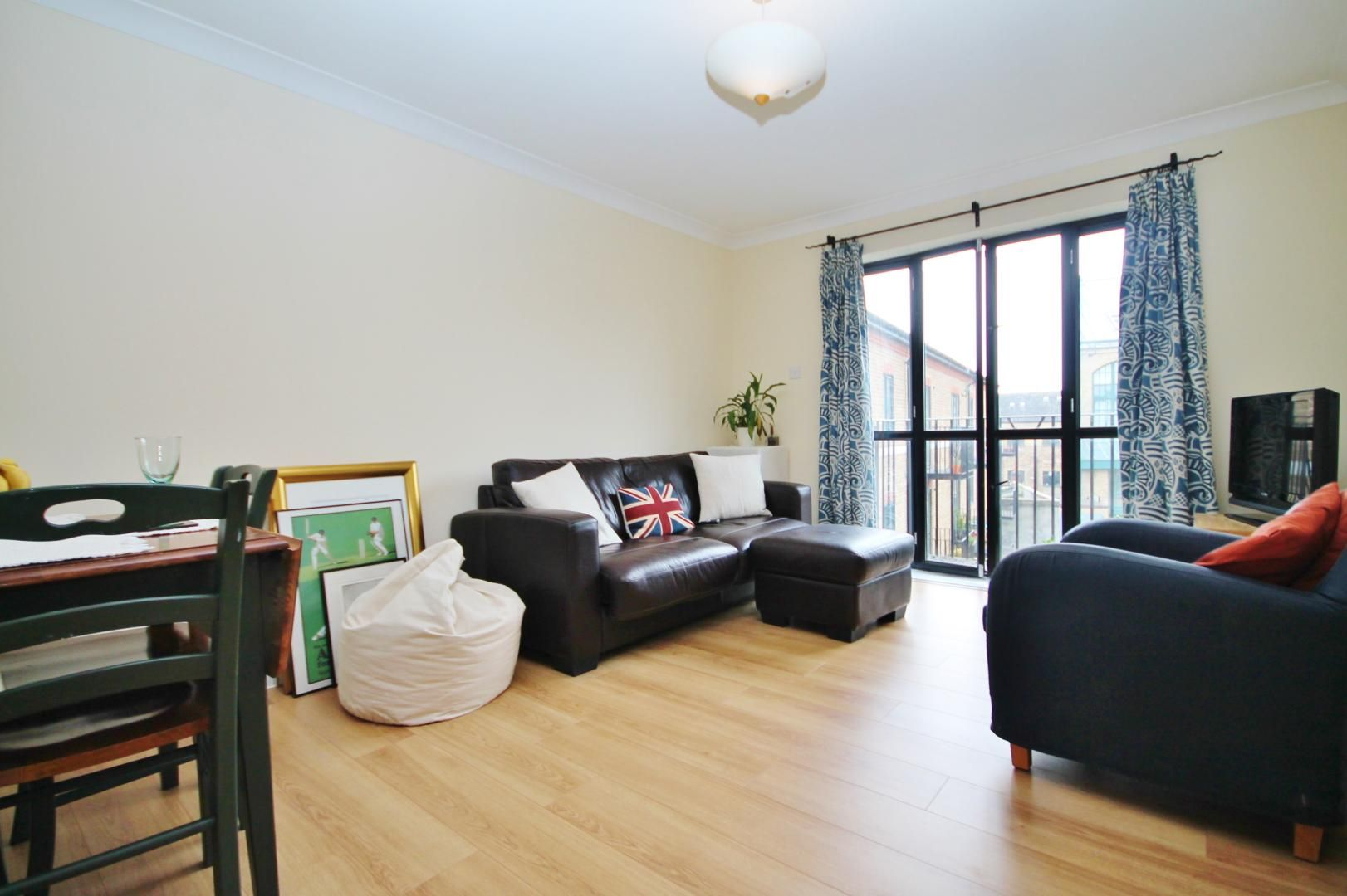 1 bed flat to rent in Ship Yard, E14