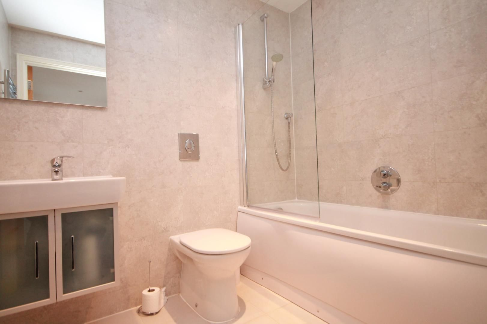 1 bed flat to rent in Western Gateway  - Property Image 5