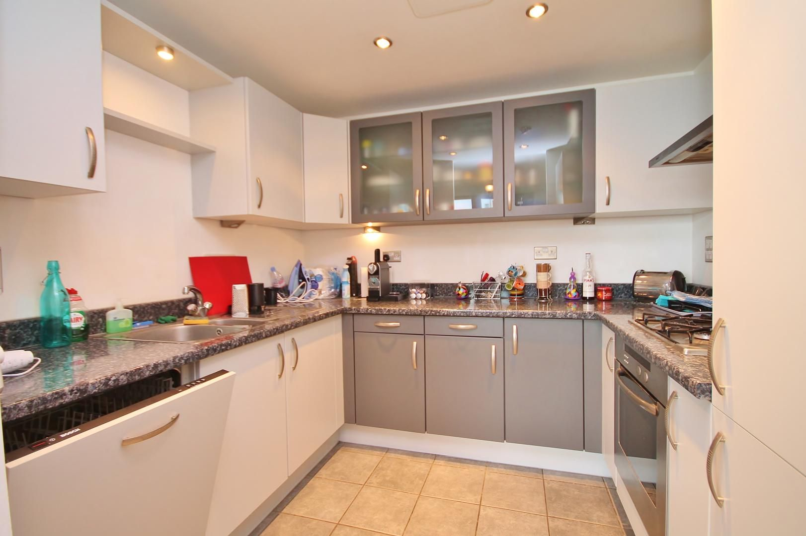 1 bed flat to rent in Hanover Avenue  - Property Image 2