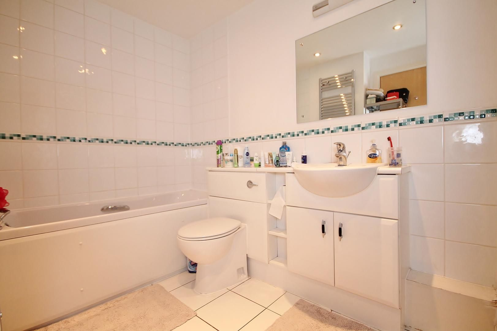 1 bed flat to rent in Hanover Avenue  - Property Image 6