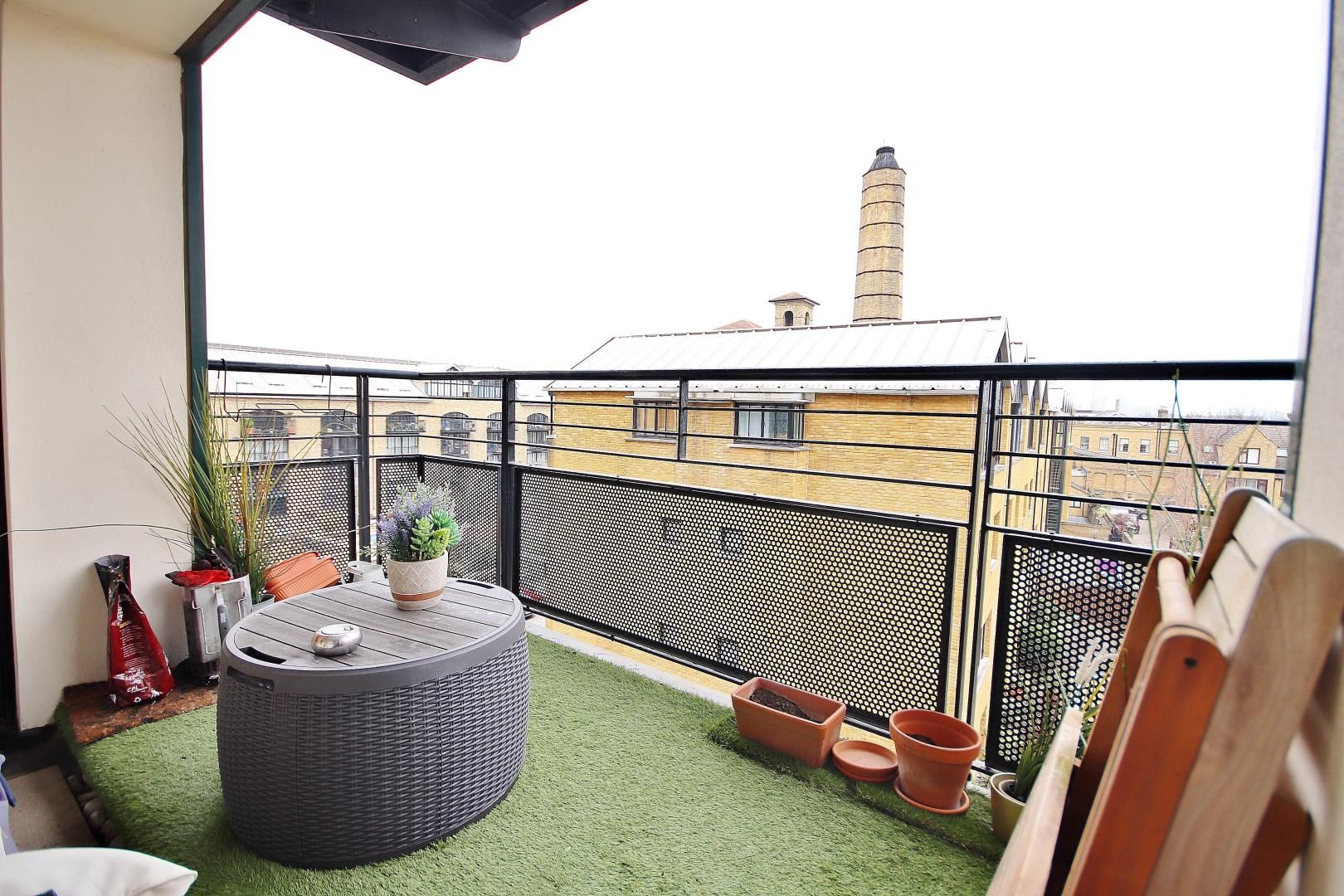 1 bed flat to rent in Chart House, E14