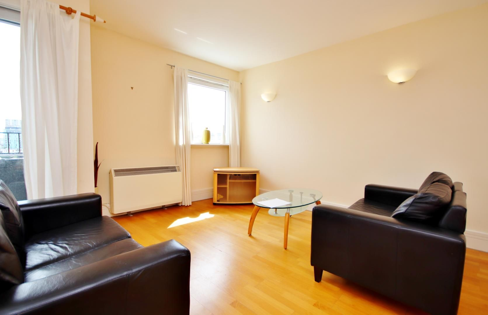 2 bed flat to rent in Cubitt Wharf  - Property Image 2