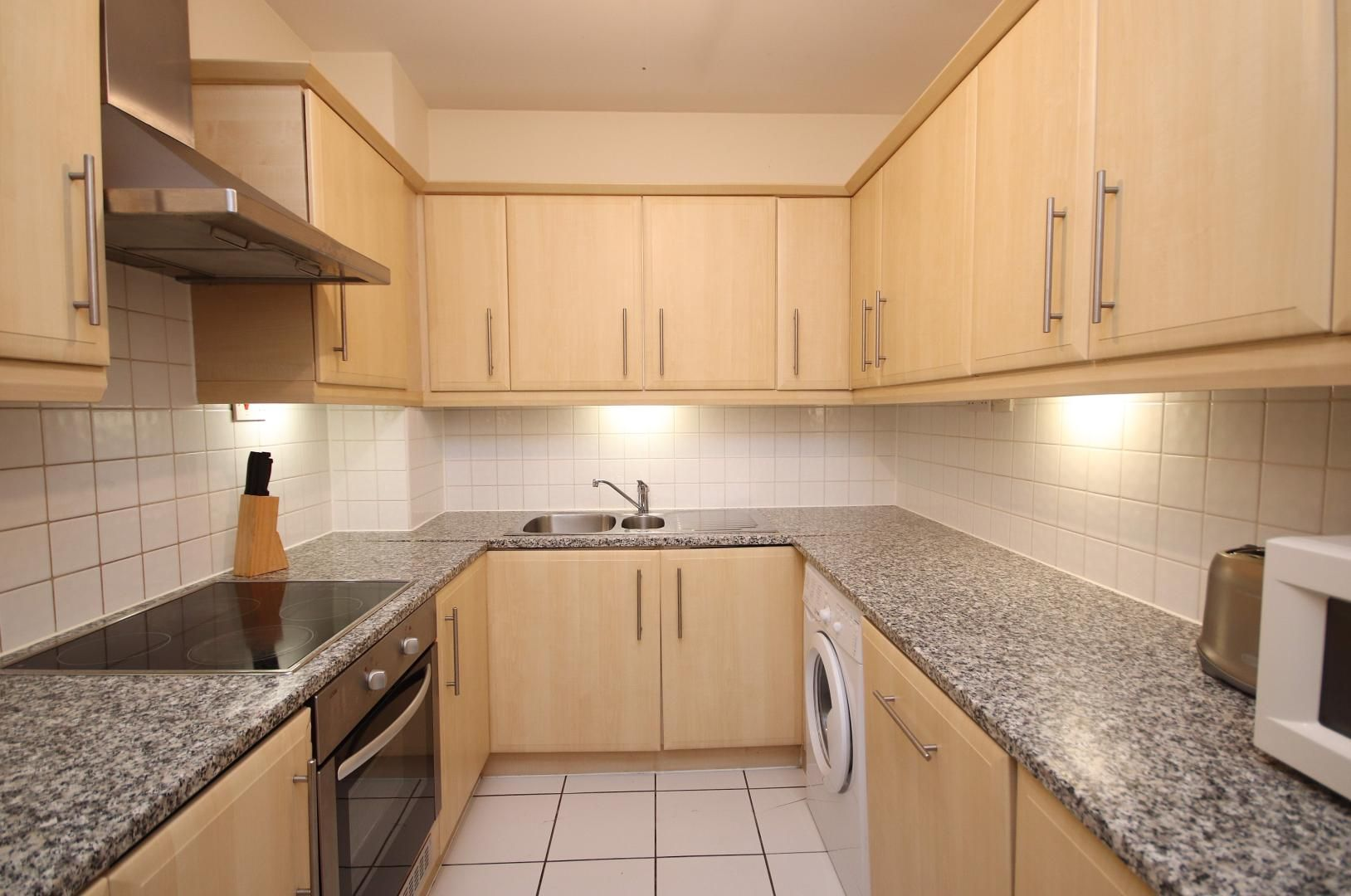 2 bed flat to rent in Cubitt Wharf  - Property Image 3