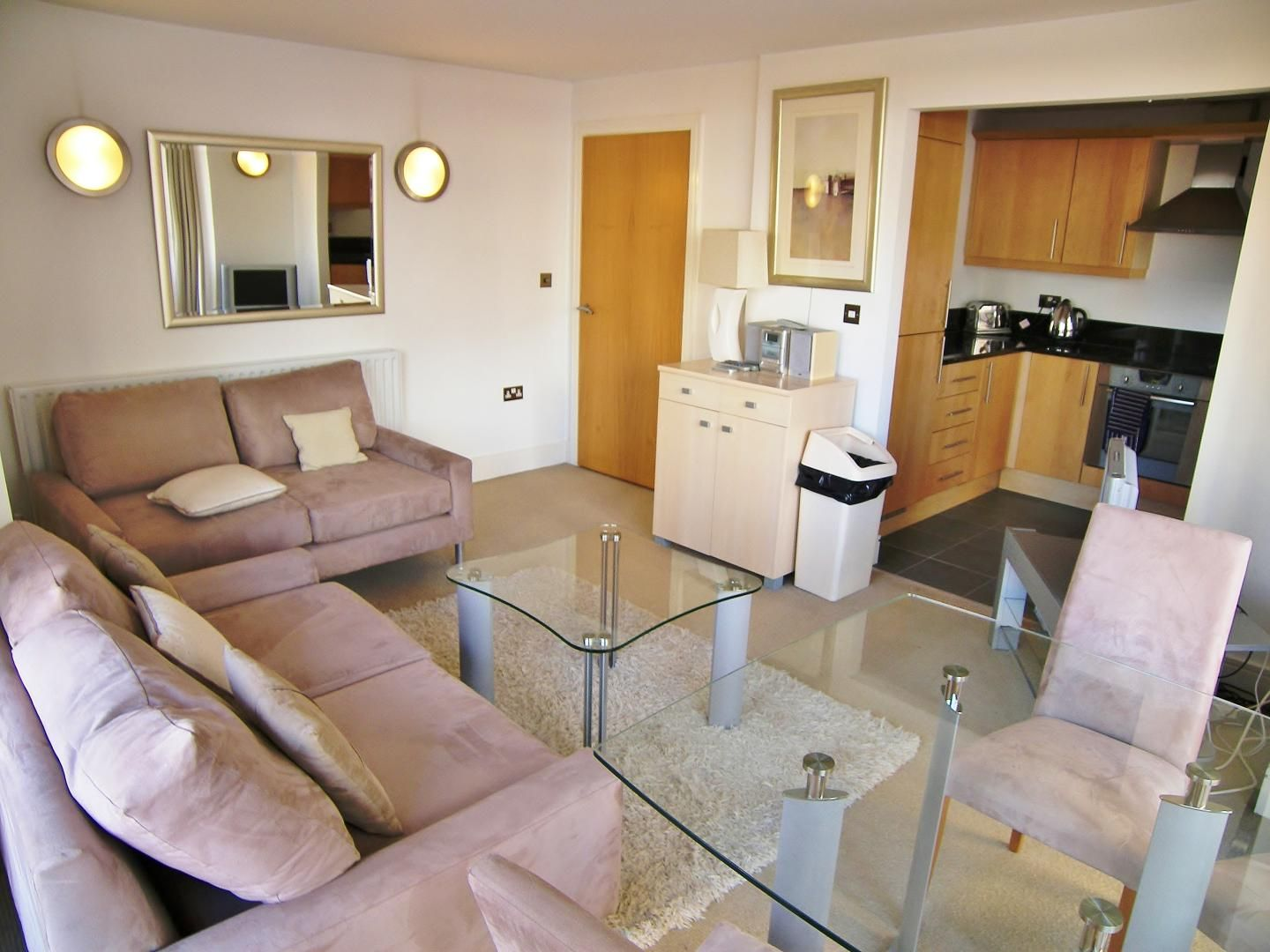 2 bed flat to rent in Cassilis Road  - Property Image 2