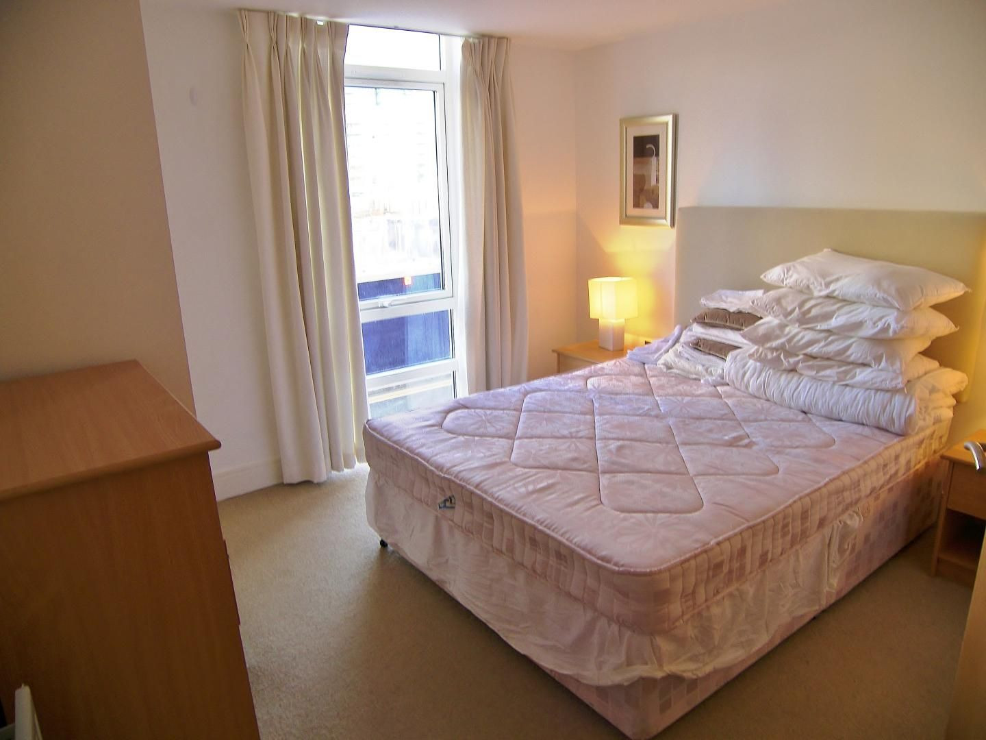 2 bed flat to rent in Cassilis Road  - Property Image 4