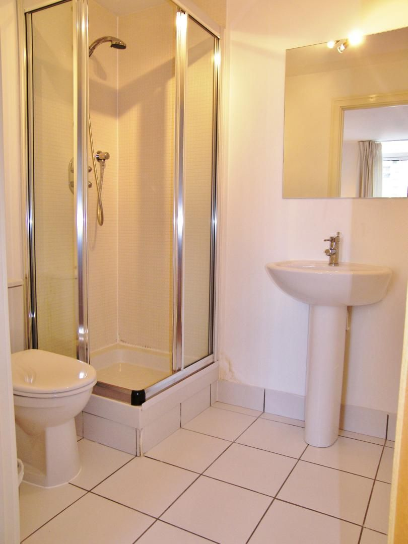 2 bed flat to rent in Cassilis Road  - Property Image 5