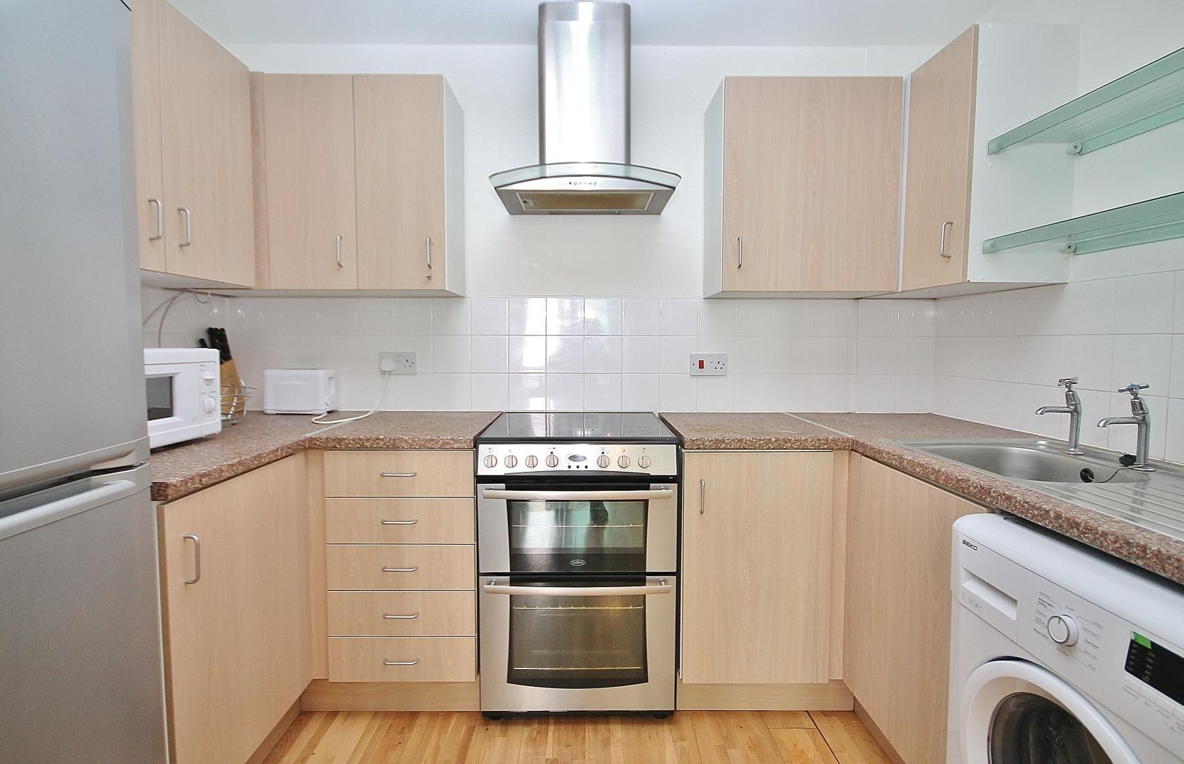 2 bed flat for sale in Millharbour  - Property Image 7