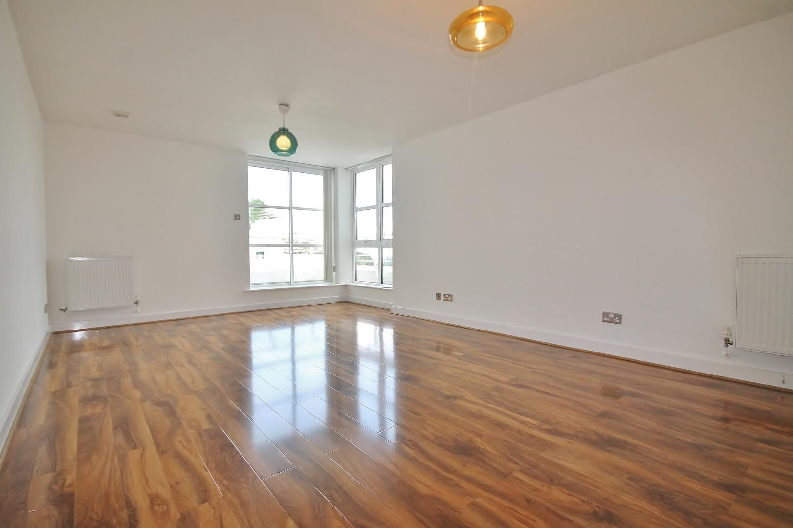 1 bed flat to rent in Barrier Point Road  - Property Image 3