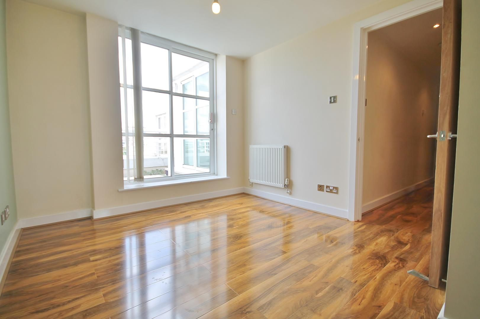 1 bed flat to rent in Barrier Point Road  - Property Image 4