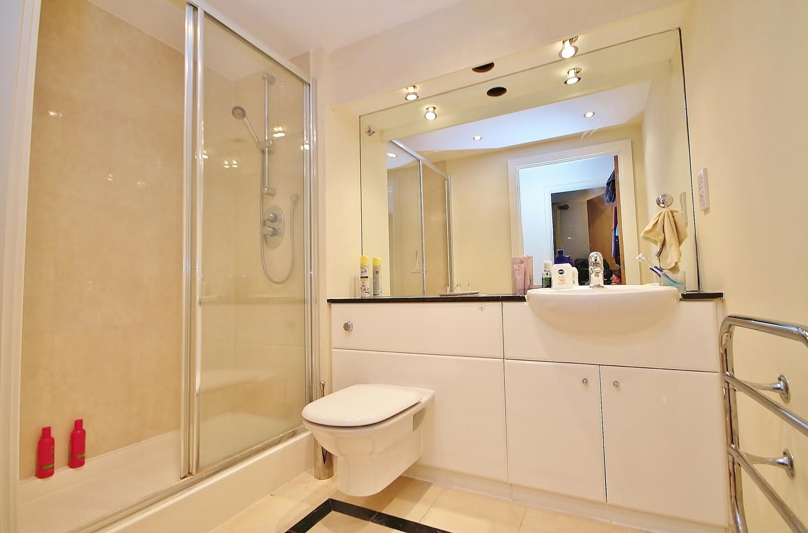 3 bed flat for sale in Western Gateway  - Property Image 15