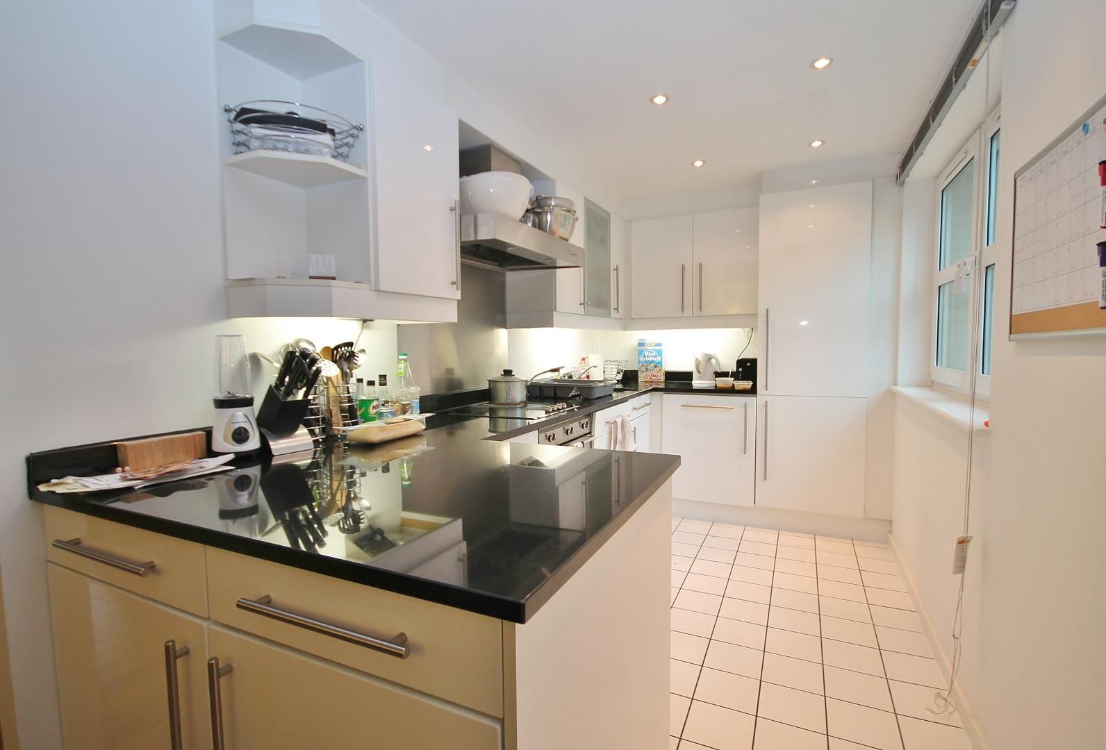3 bed flat for sale in Western Gateway  - Property Image 3
